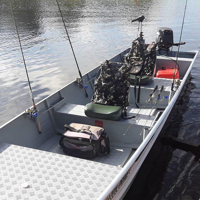 Amazon Prime Ecolodge  Nosso bote está pronto para a temporada de pesca 2019. Ainda dá tempo de você fechar seu pacote. info@amazonprimeecolodge.com  WhatsApp (92) 99148-0728  #amazon #amazonprimeecolodge #junglelodge #jungletour #ecotours #hoteldeselva #tucunaré #pescaesportiva #peacokbass