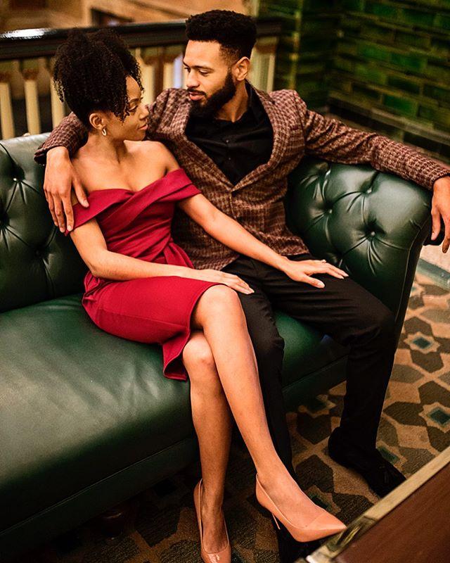 Love is a look❤️ . . . . . . . . . . . . . . . . . . . . #bride #weddingday #engagementphotos #weddingphotography #bridal #weddinginspiration #weddingphotographer #groom #stlweddingphotographer #weddings #weddingportraits #instawedding #engaged #weddingideas #weddingplanner #engagement #marriage #stlphotographer #weddingphoto #engaged #prewedding #theknot #noiva #weddingplanning #bridesmaids #love #weddinginspo #weddingdecor #weddingparty #weddinggown
