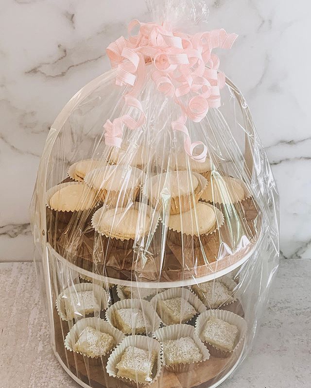 This beauty is on its way to be bid on in a Silent Auction tonight! The lucky winner will get 12 Raspberry Lemonade French Macarons and 12 Lemon Bar Squares all on top of this beautiful 2 tiered stand from @magnolia Hearth & Hand Collection! (And an extra little something from Guilty Pleasures 😘) 🍋💕 #GPBakeShop #HearthAndHandWithMagnolia #MagnoliaMarket #GuiltyPleasuresBakeShop #FrenchMacarons #Macarons #RaspberryLemonade #LemonBars #DoterraEssentialOils #EssentialOilInfused #SilentAuction #BayArea #EastBay #California #OnlineBakery #BayAreaFoodie #thebakedfeed