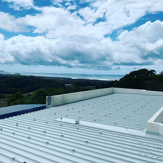 Day 1 of a very exciting local  solar project we are undertaking. 10.7kws of rooftop PV strapped into 26kW of battery storage. Stoked to be working closely with our partners Fronius and Selectronic on this one and cheers the the boys @mrhbuild .... Yew!