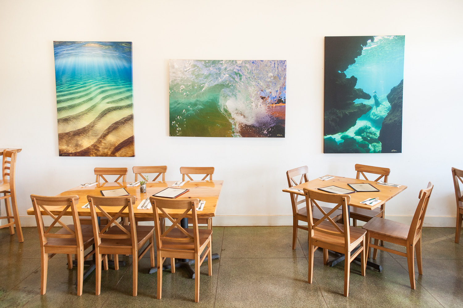 tables-maka-raw-vegan-restaurant-paia-maui.jpg
