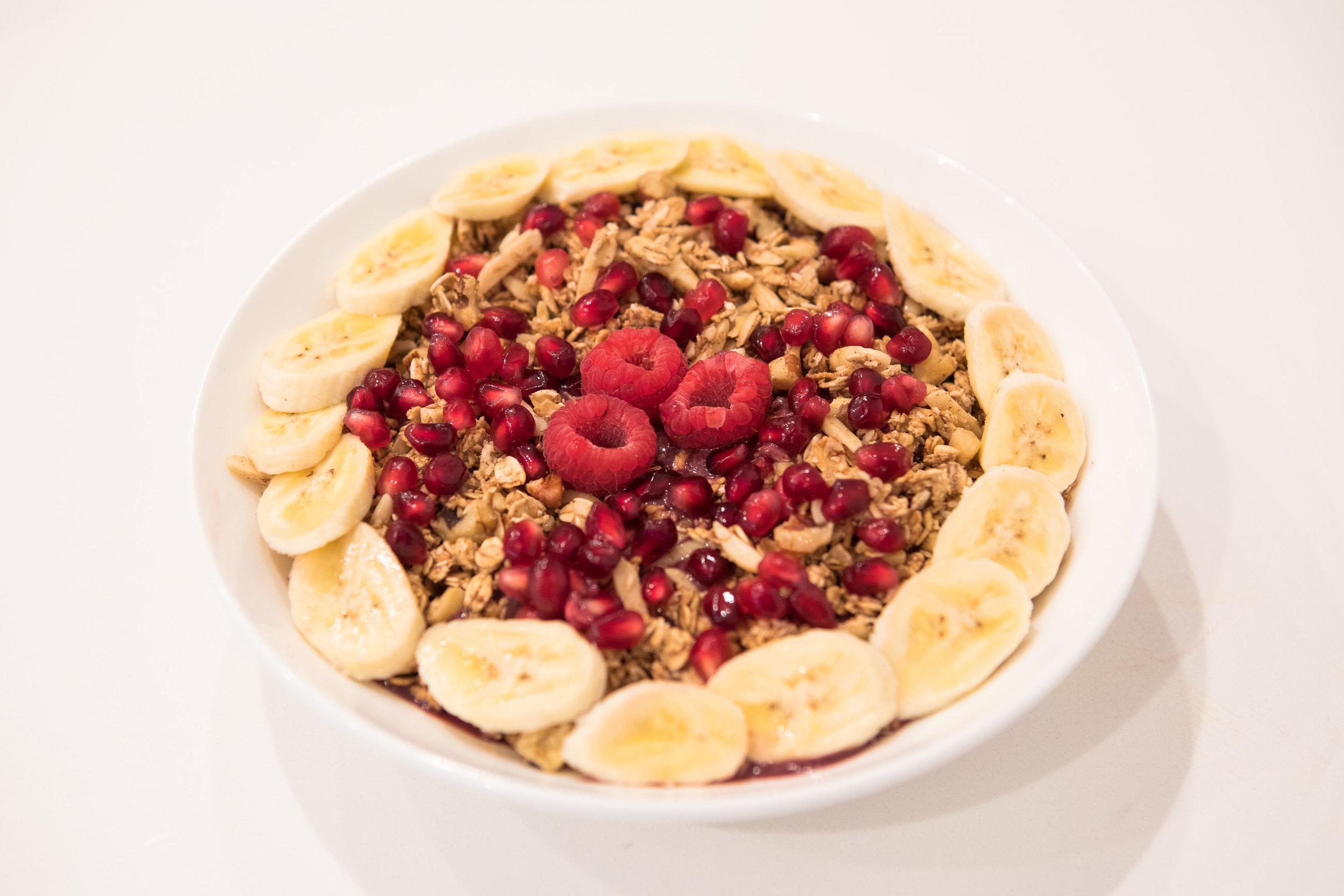 Maka-vegan-gluten-free-cafe-fresh-breakfast-bowl.jpg
