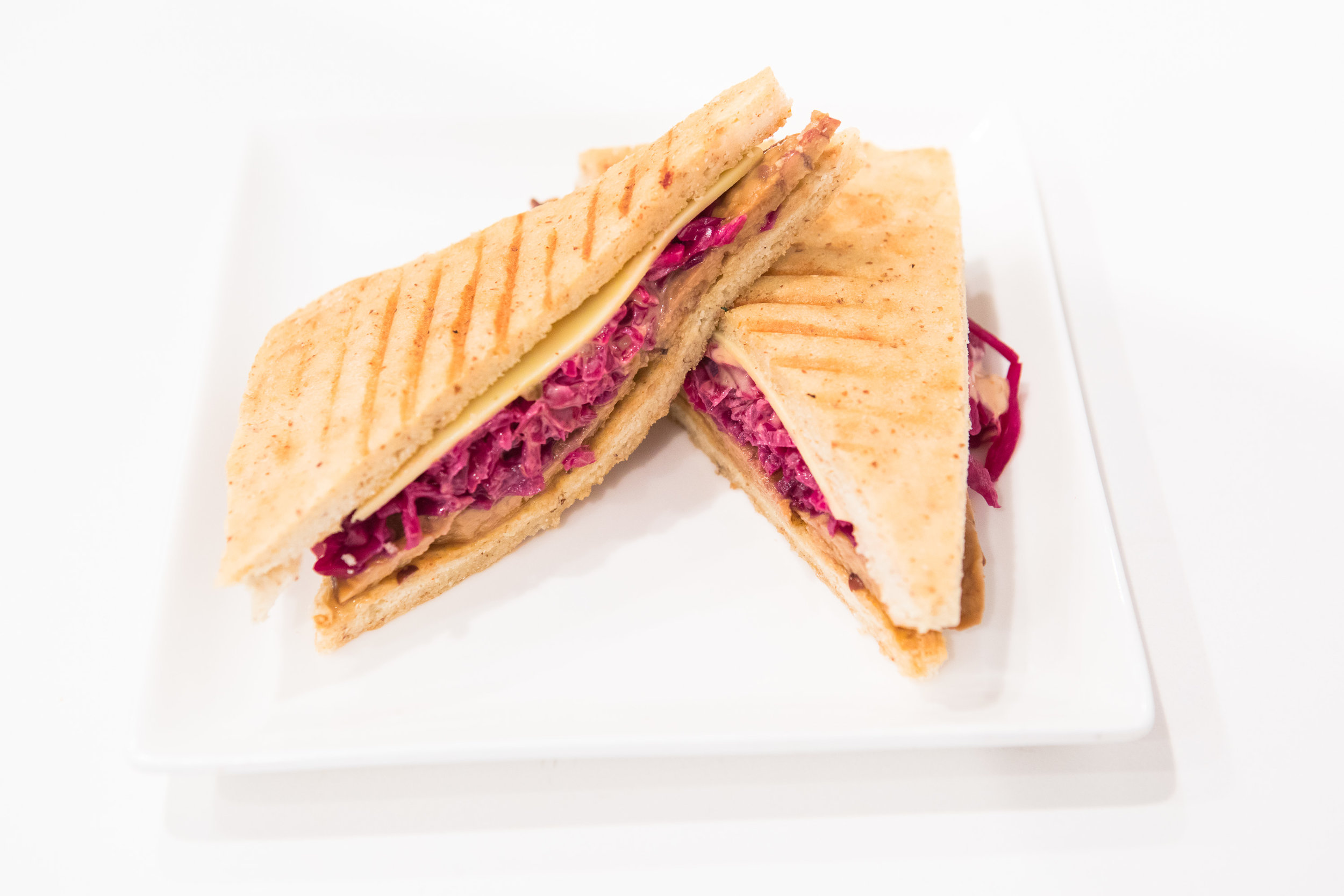 Maka-vegan-gluten-free-maui-cafe-ruben-1.jpg