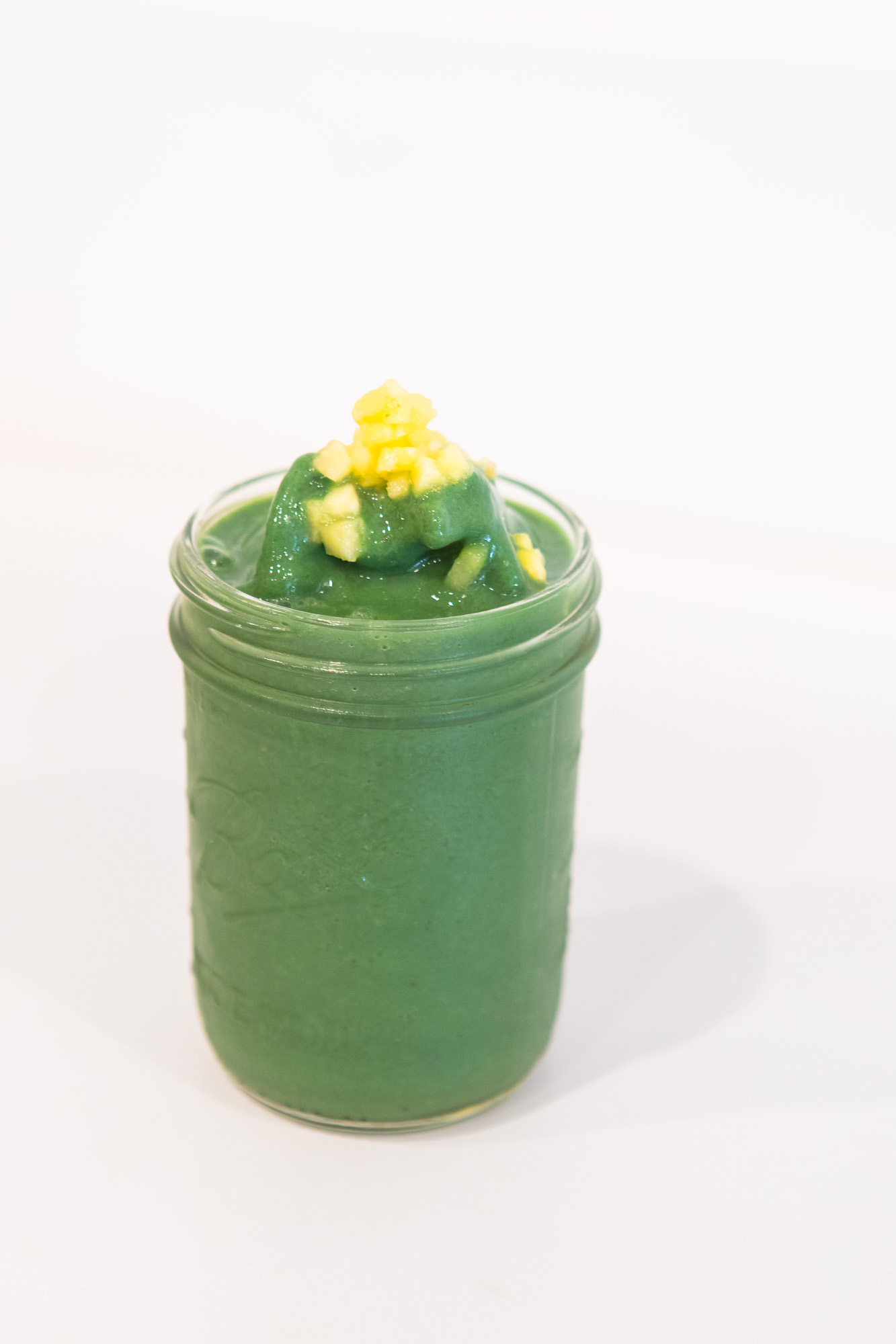 Maka-vegan-cafe-fresh-smoothie-2.jpg