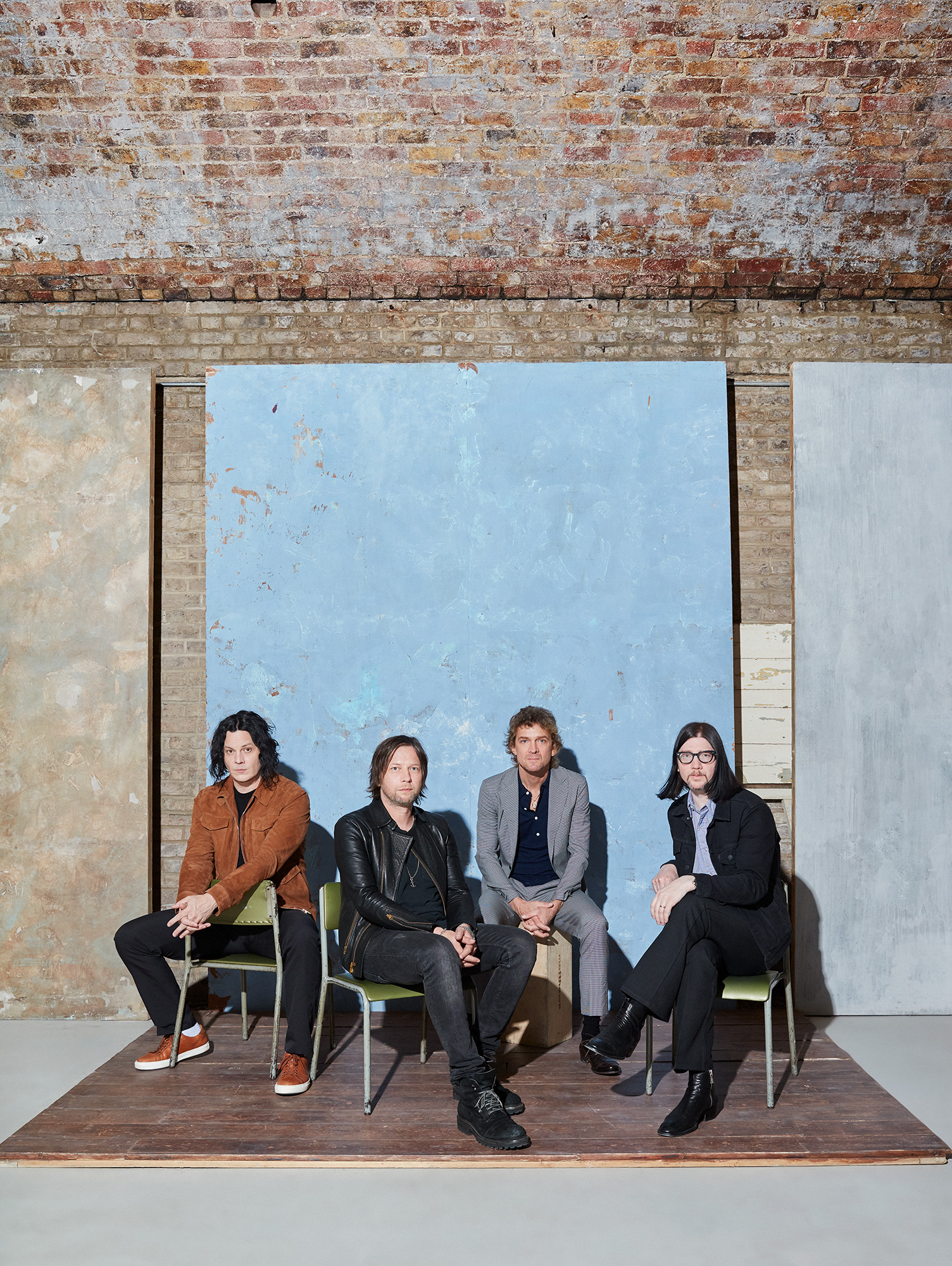 Raconteurs_Billboard_0423_col_RT_noise.jpg
