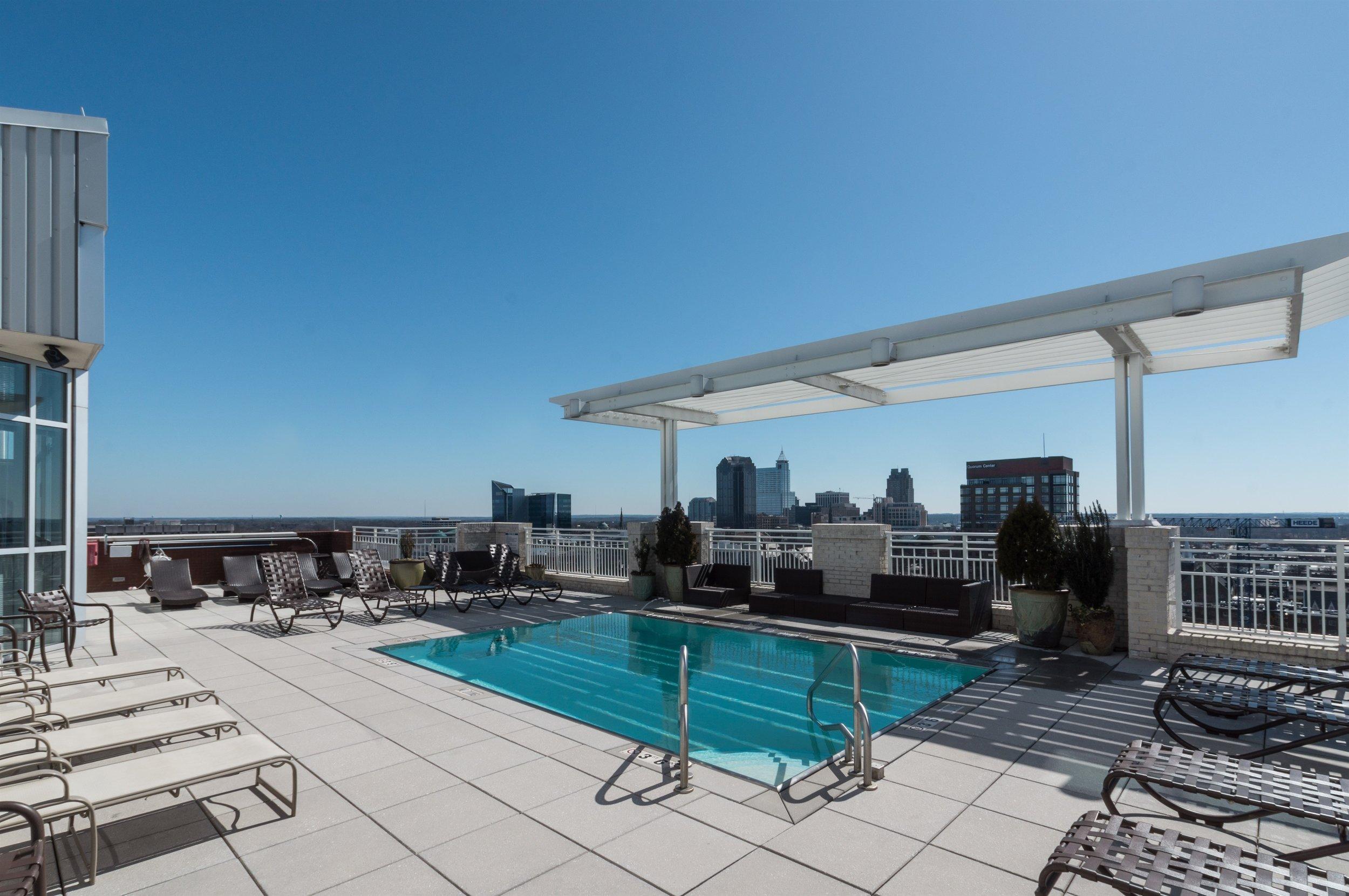 022_Rooftop Pool.jpg