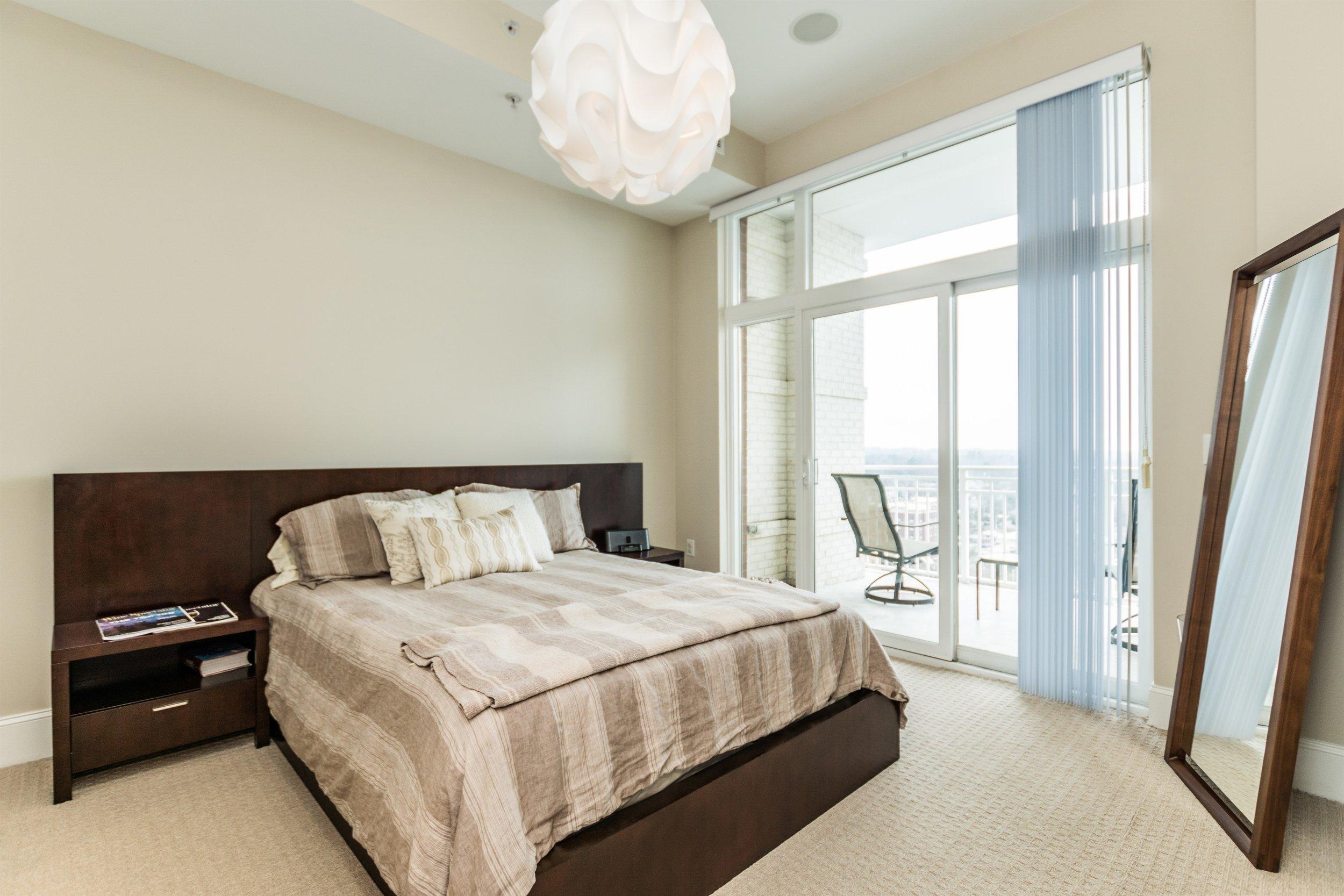 015_Master Bedroom.jpg