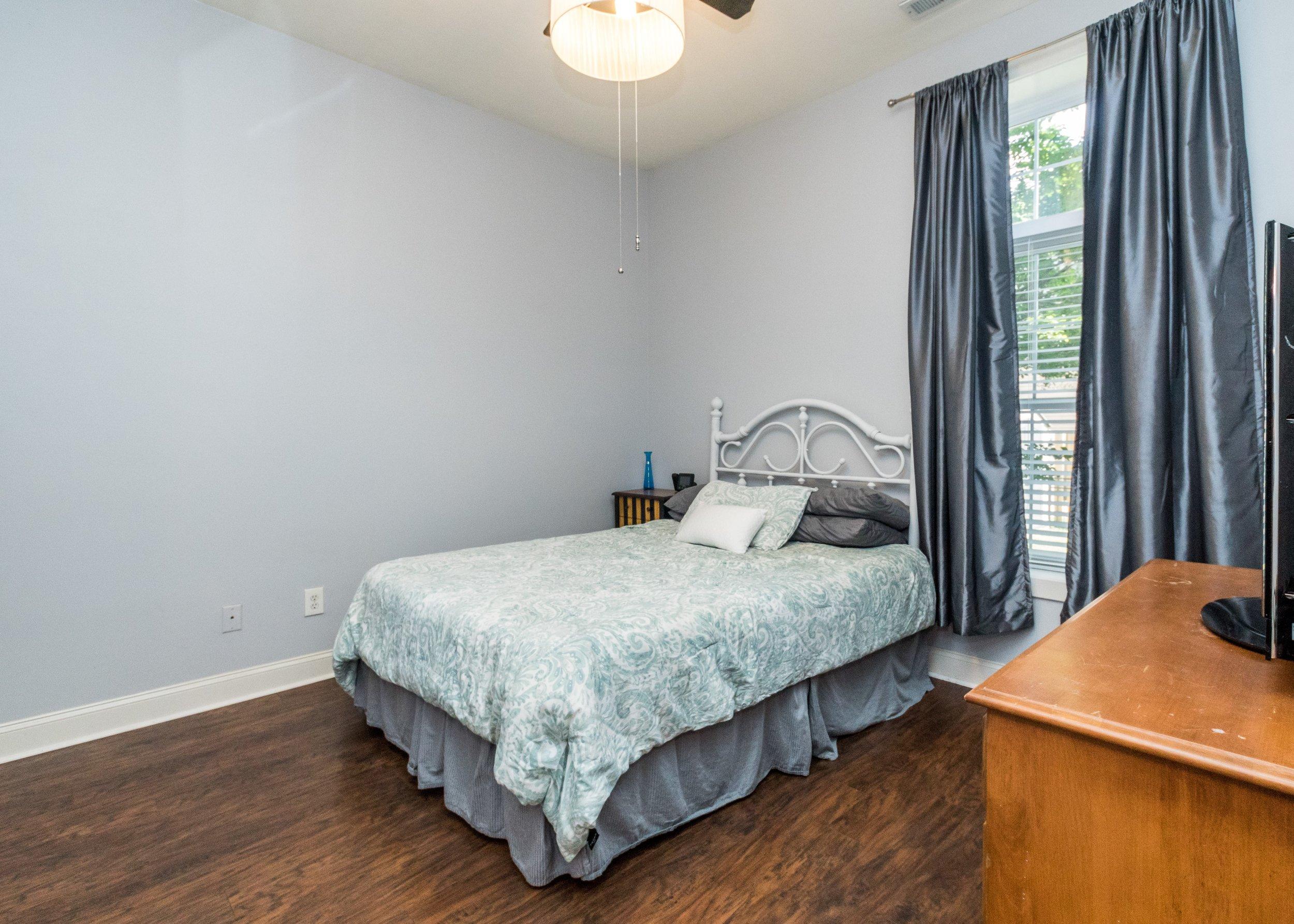 011_ Master Bedroom.jpg