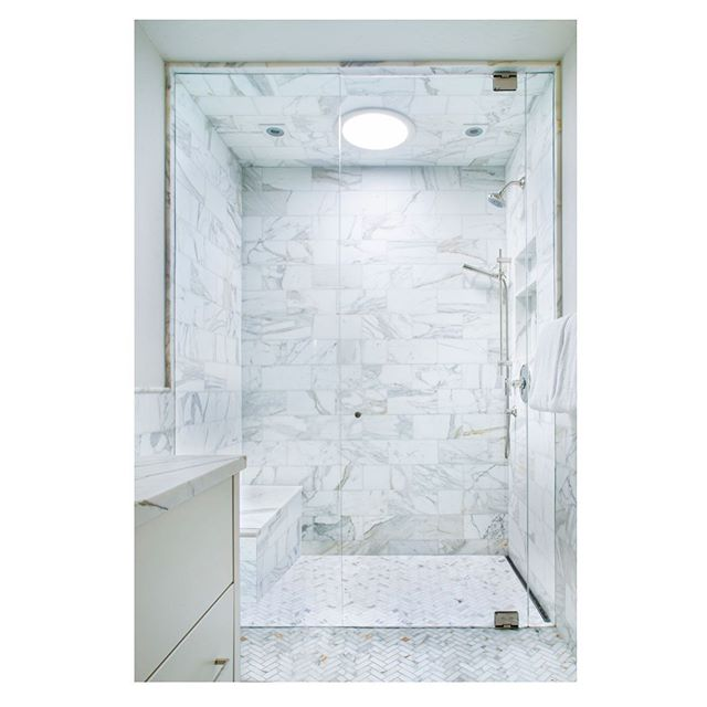 Natural light + marble make for one beautiful shower in this Aspen home.  Photographer: @brent_moss_photography