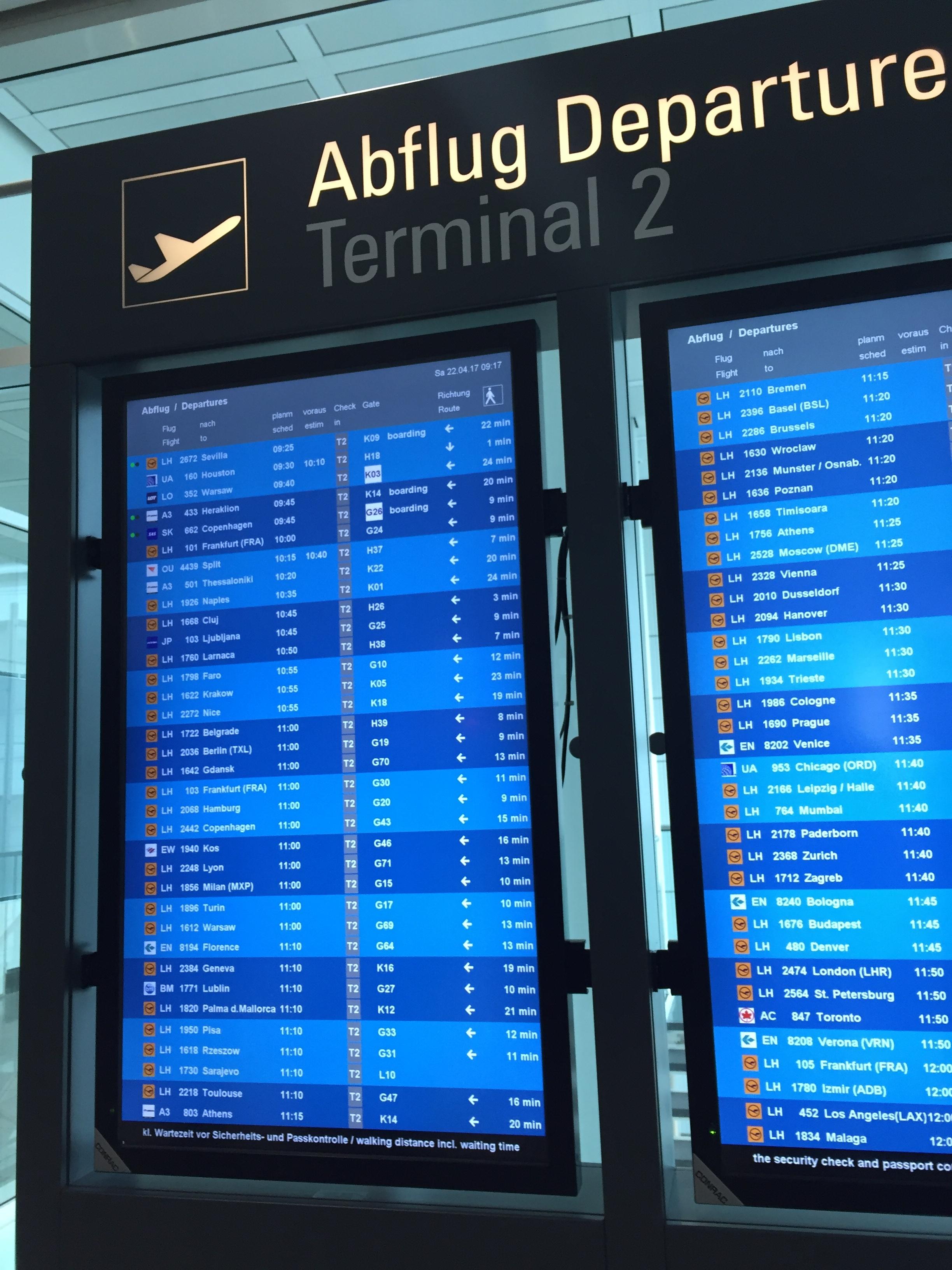 munich_airport_monitors_ux