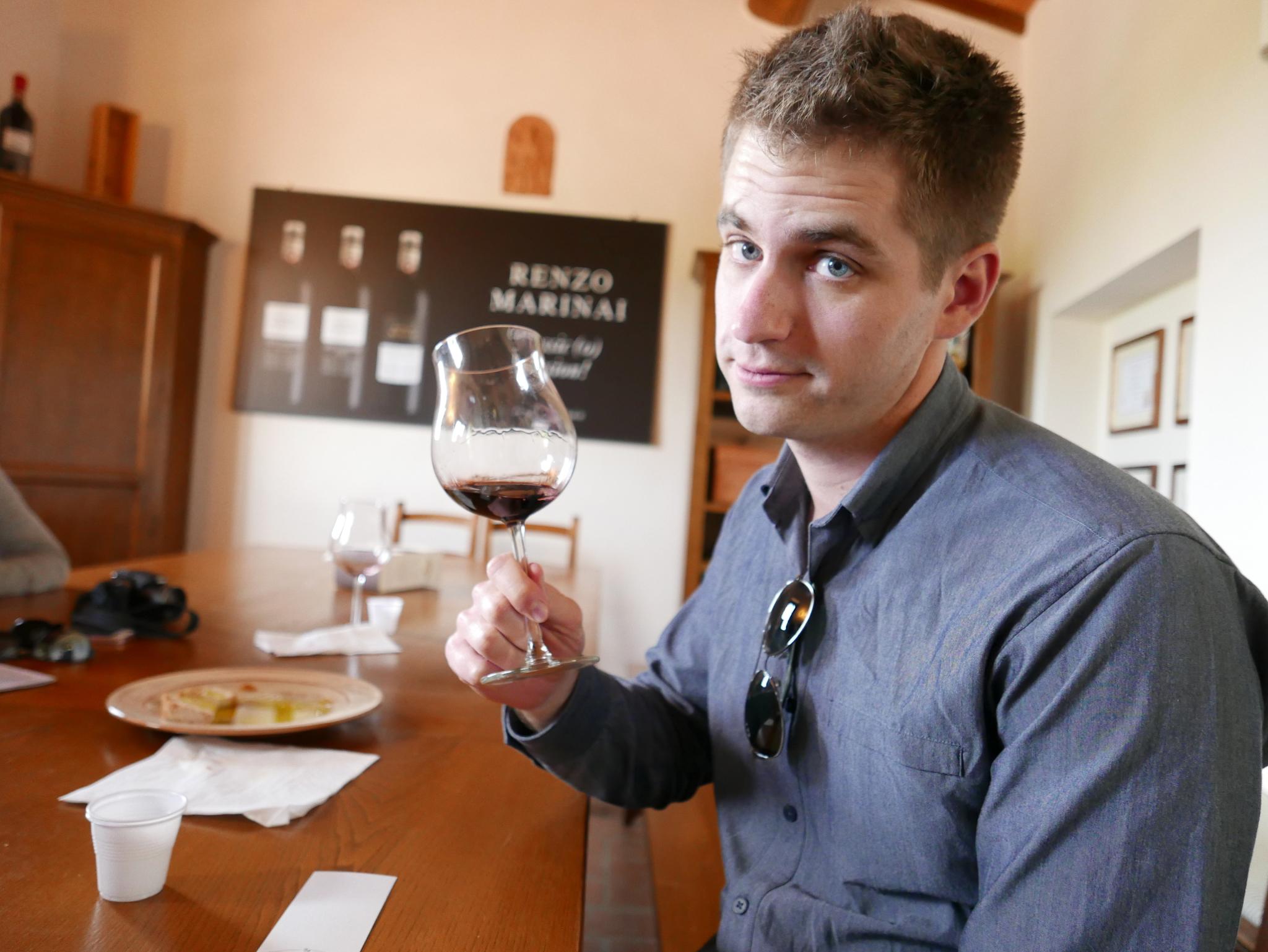 Tuscan wine tasting