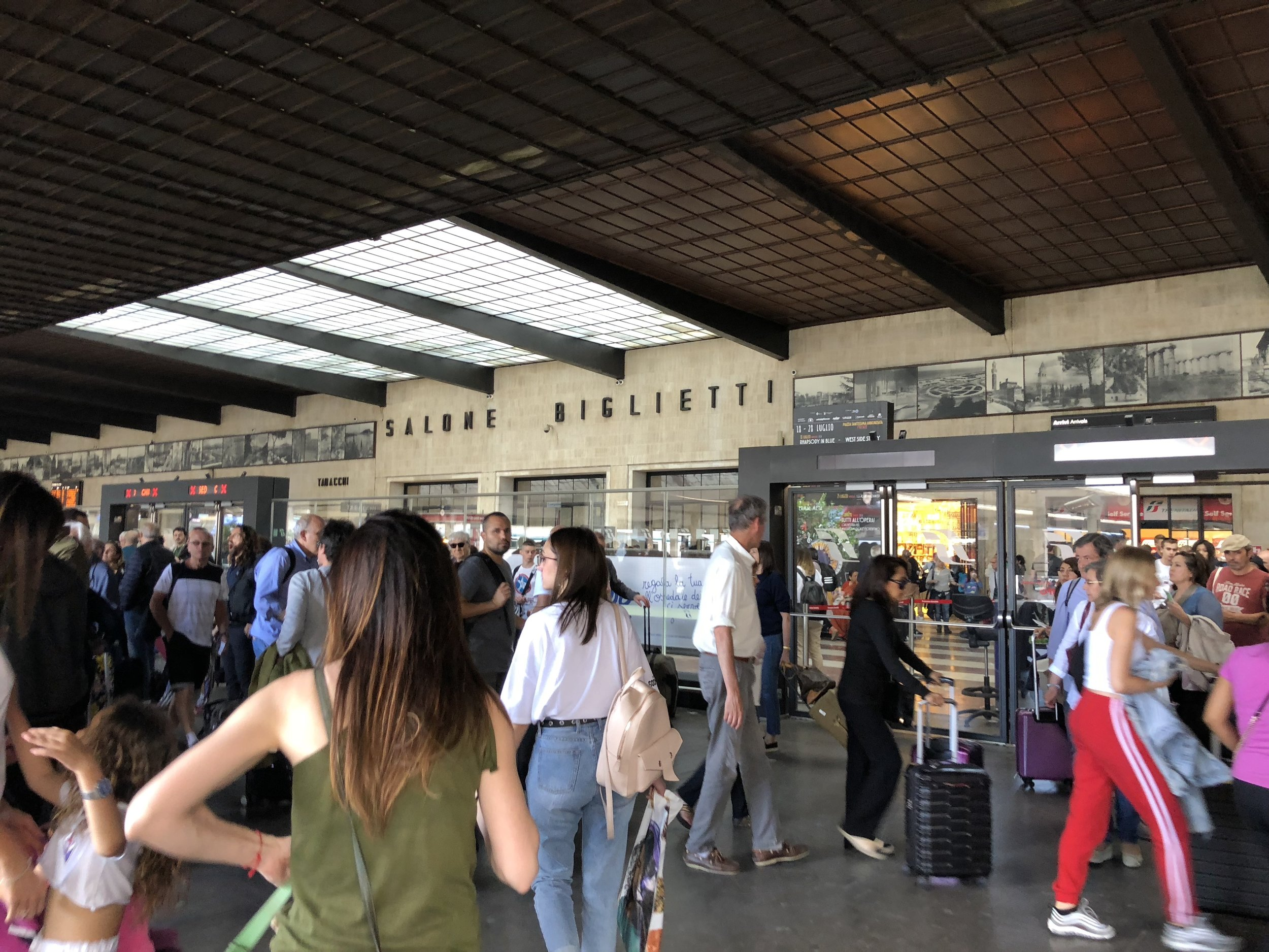 Where to buy tickets in Florence train station
