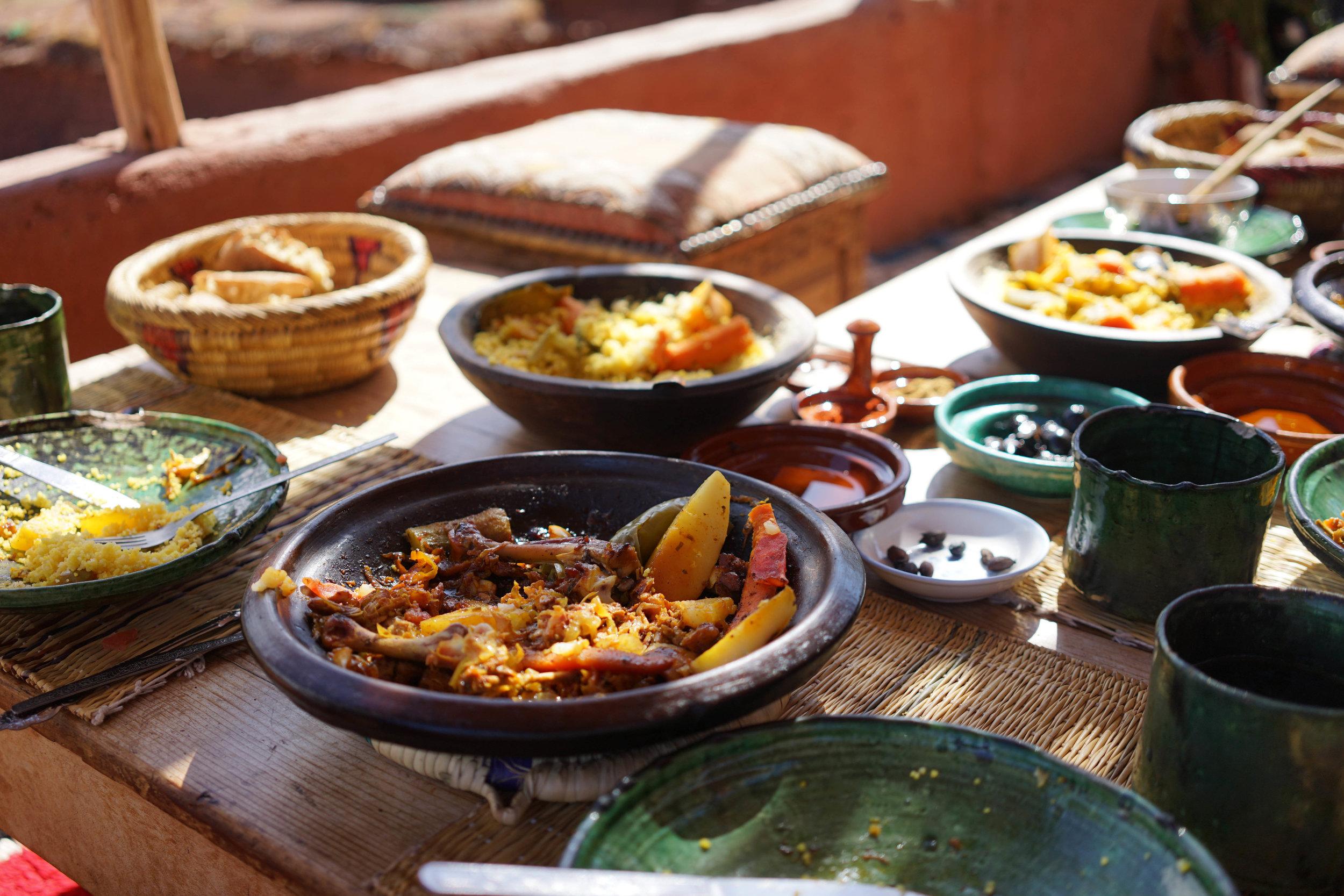 Berber-Family-Authentic-Meal-Chicken-Tajine