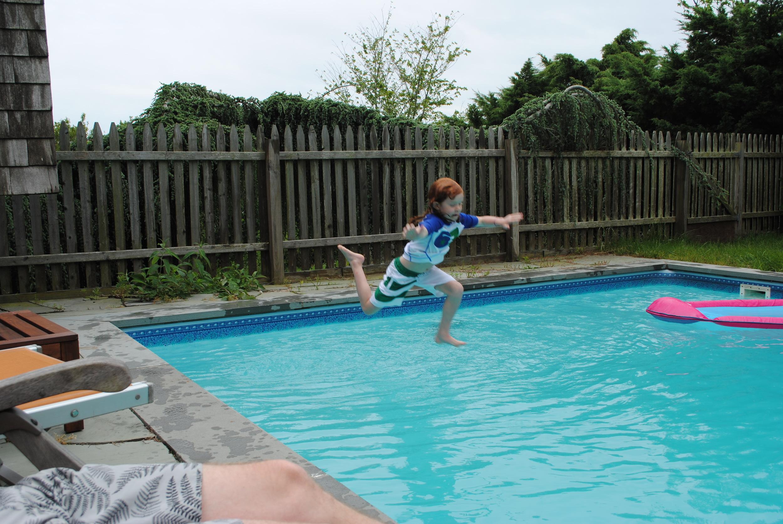 God daughter Zoe Takes A Splash