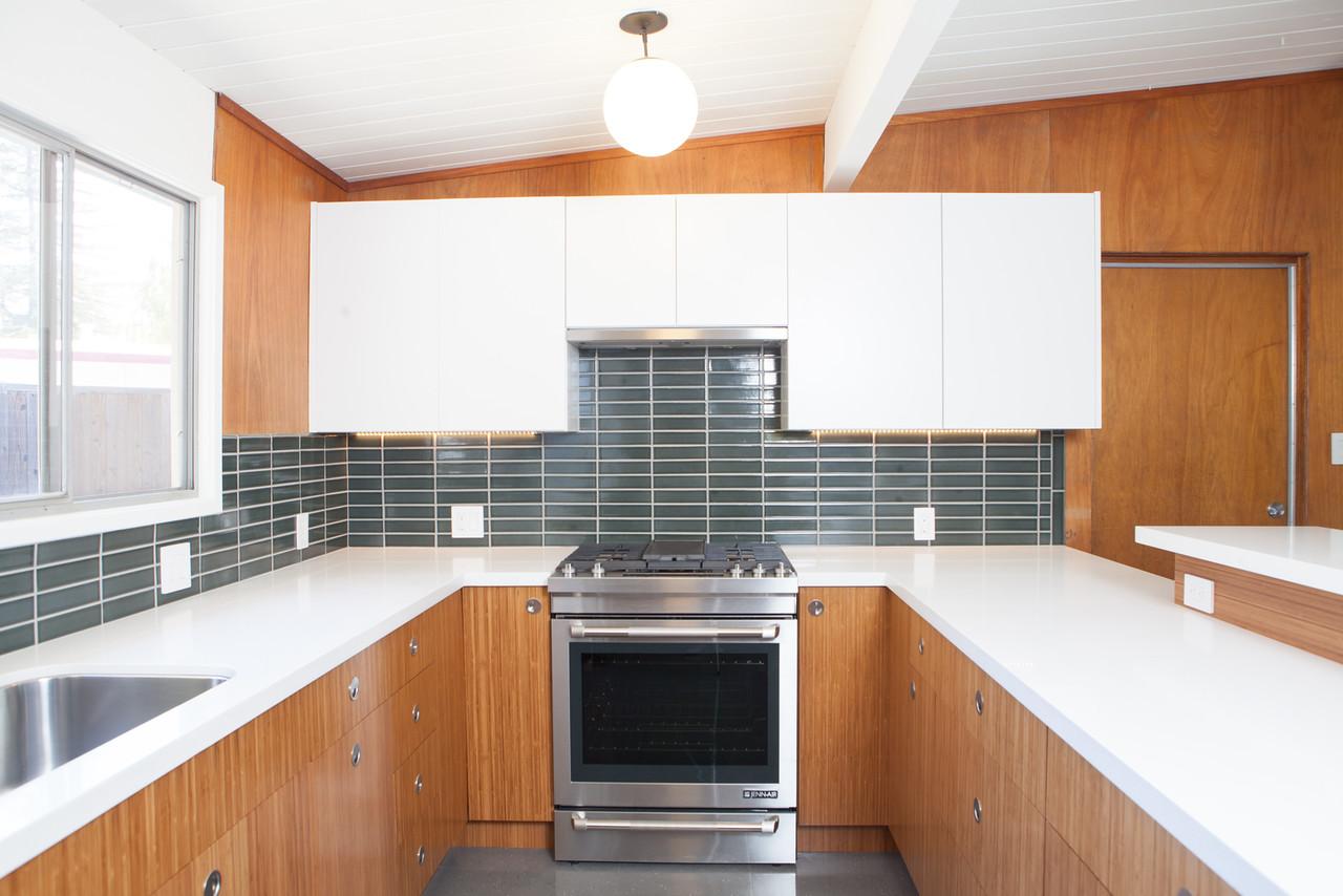 eichler-concord-kitchen-backsplash-fireclay-tile-lochness2.jpg