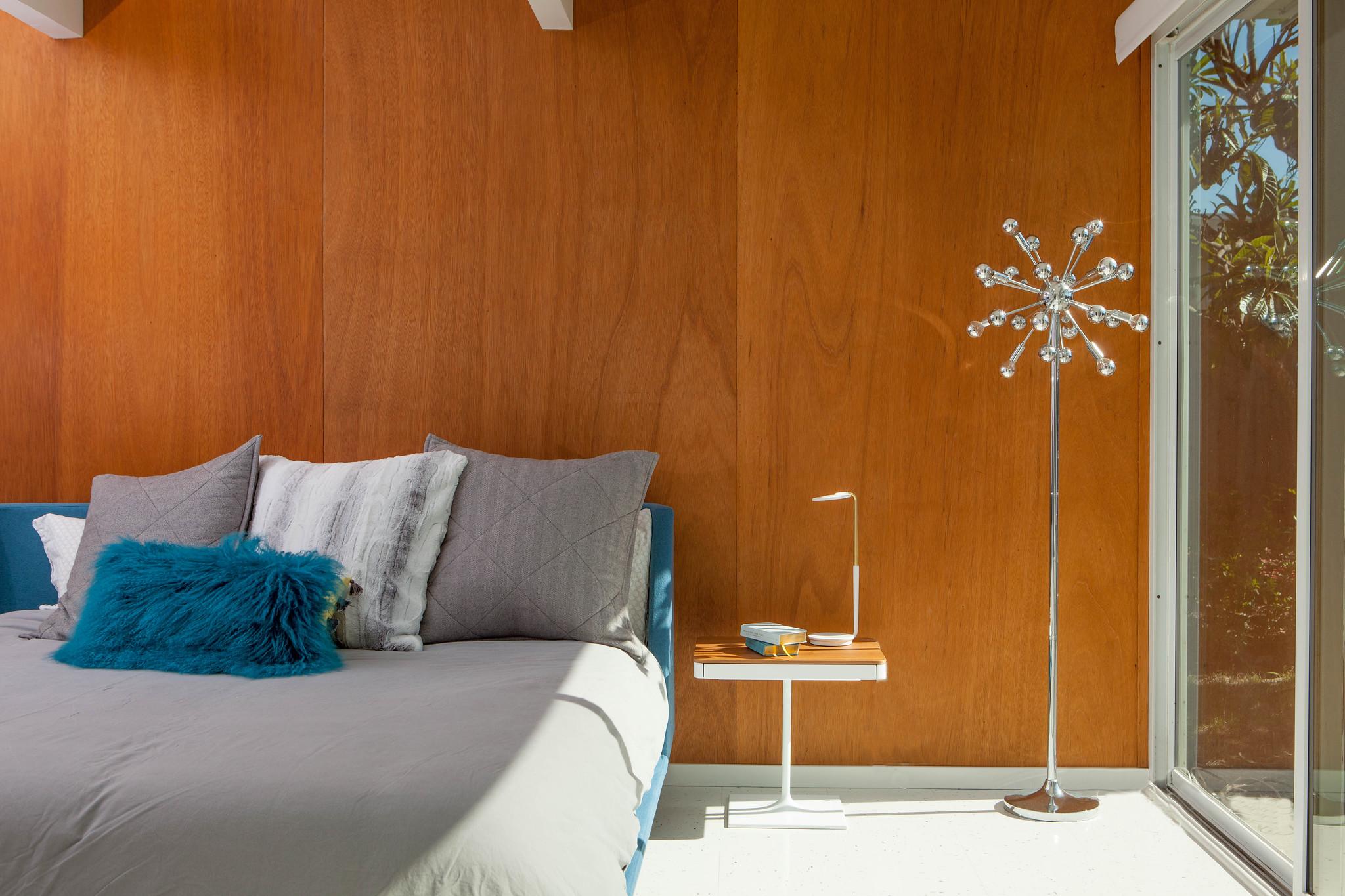 airbnb-bed.jpg