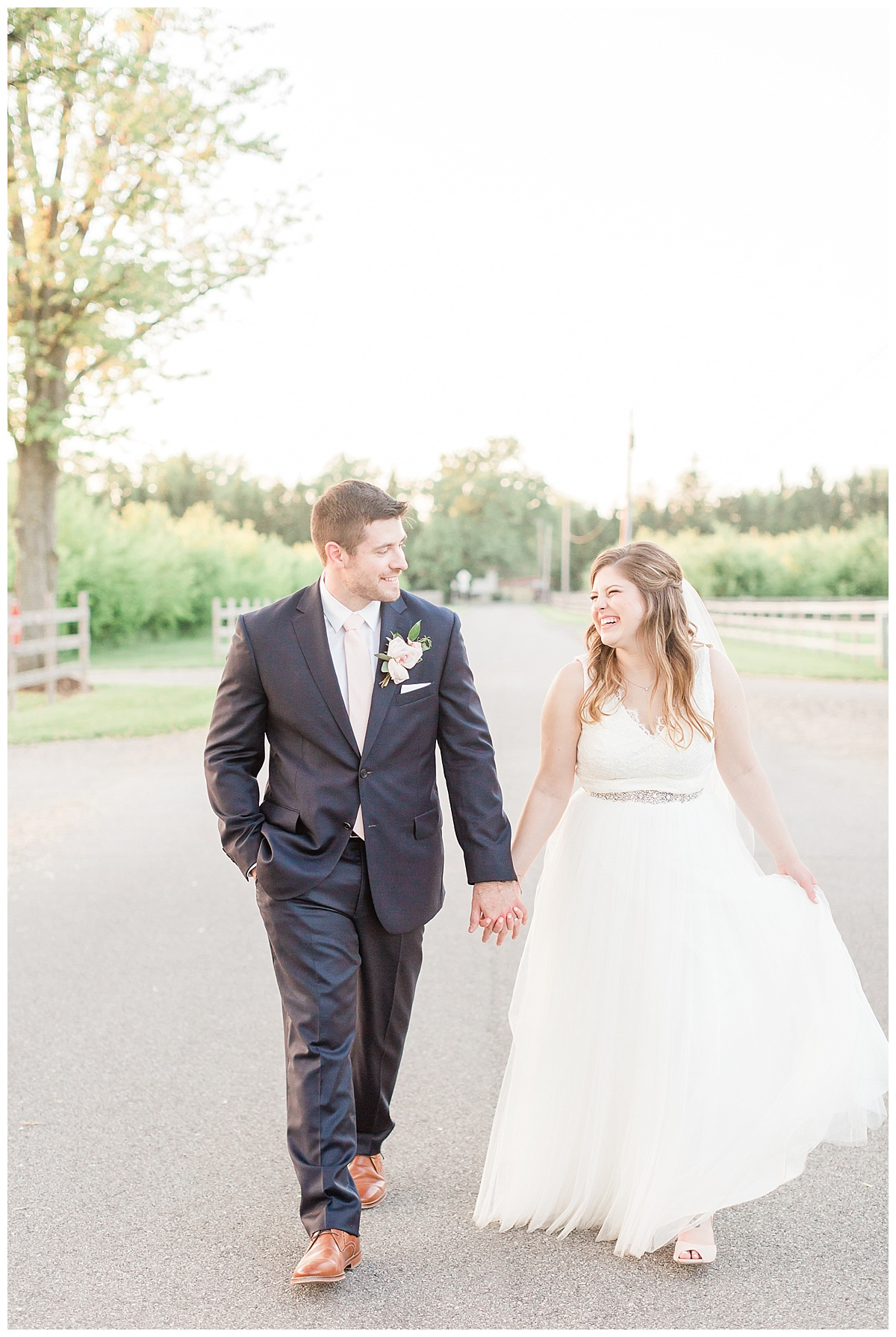 county-line-orchard-spring-wedding-chicago-photographer-light-airy_0046.jpg