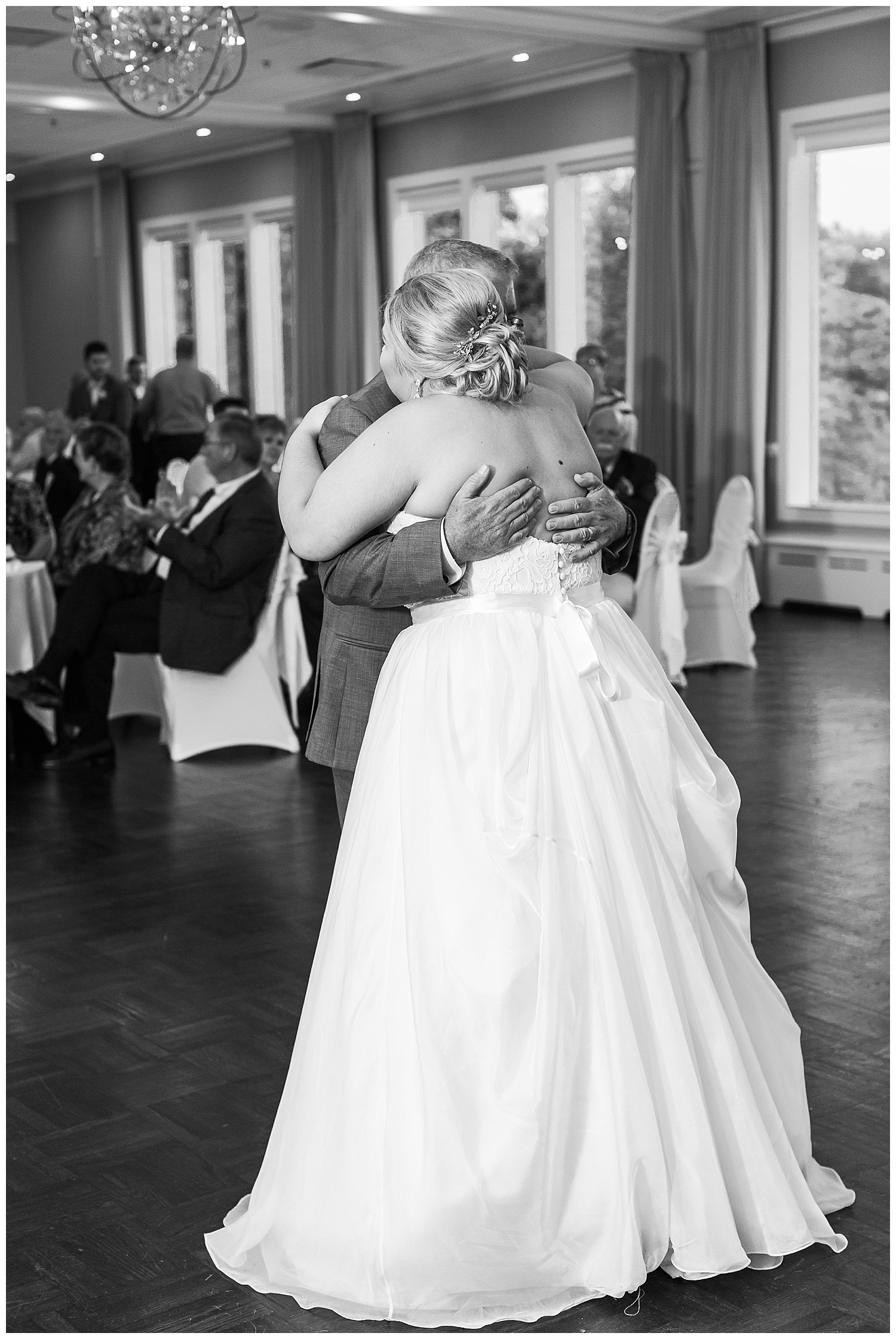 chicago-wedding-photographer-summer-itasca-country-club-classic-elegant_0070.jpg