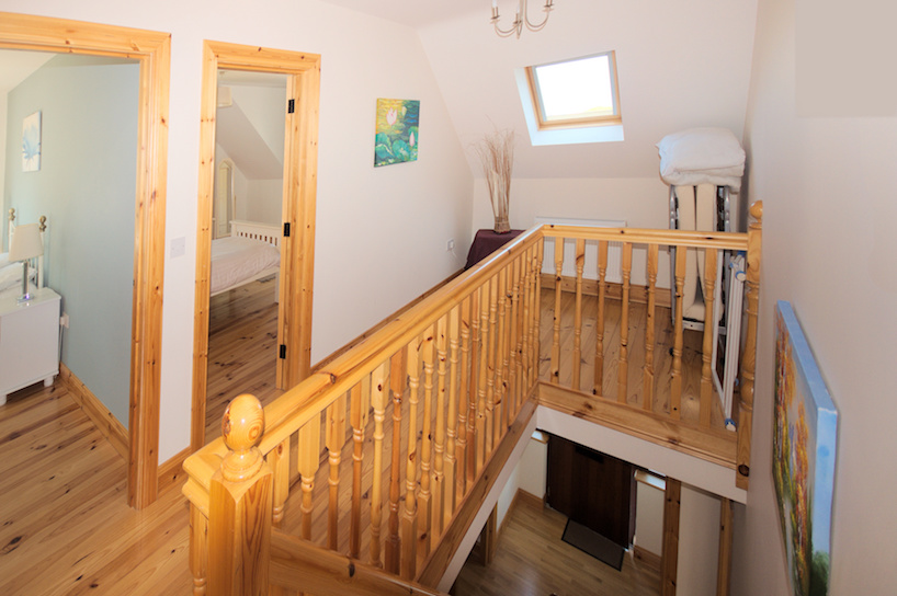 stairs-upper-landing-1.jpg