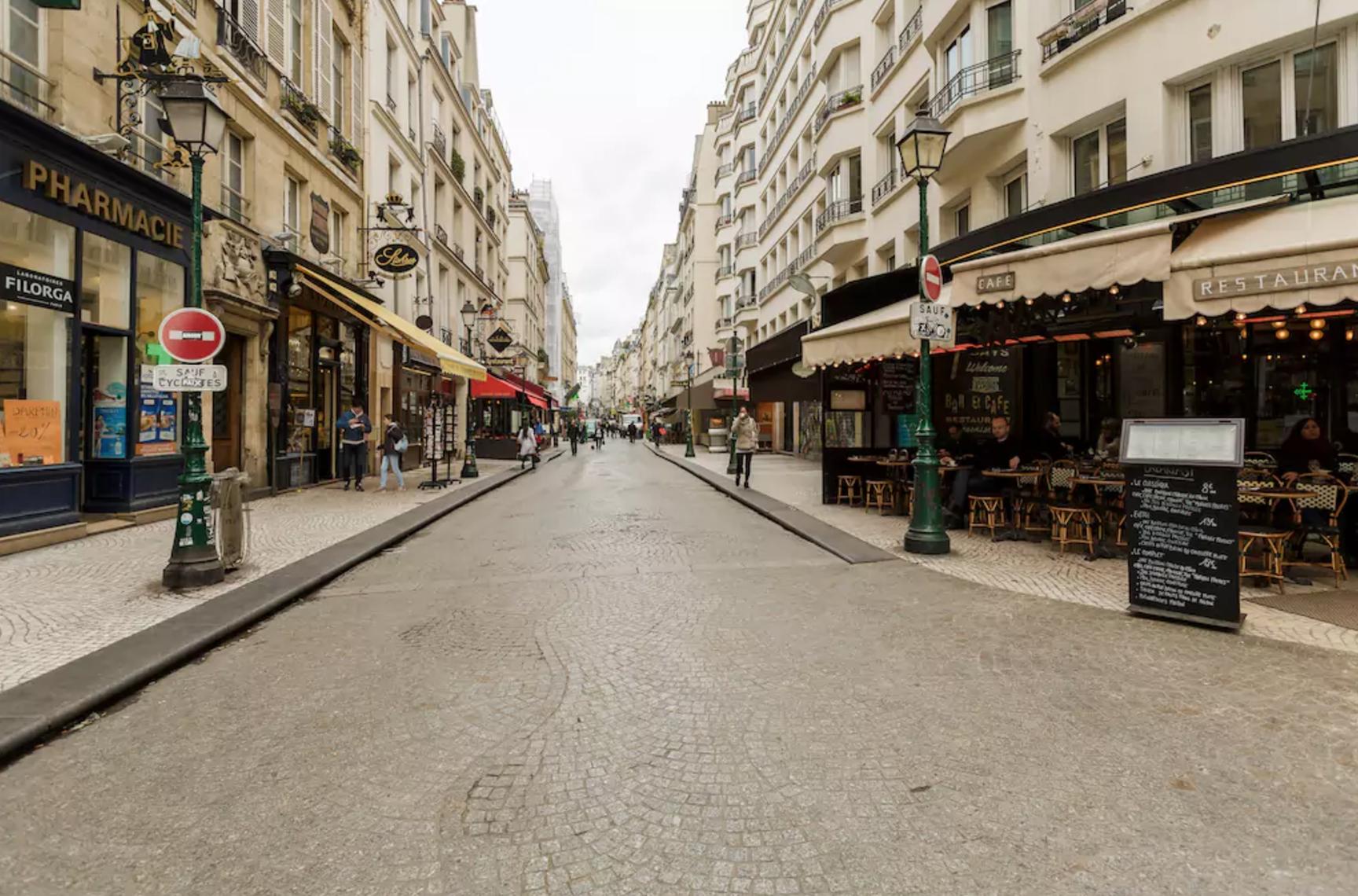 Montorgueil street.png