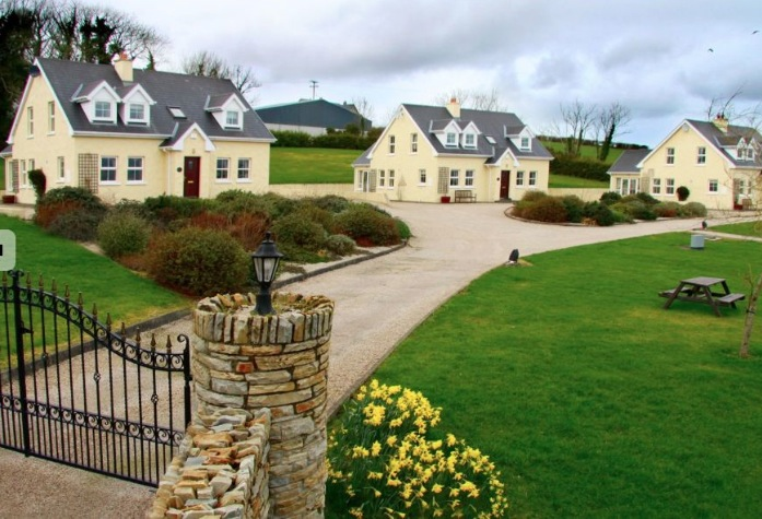 Ardglass Cottages, Portsalon, Co Donegal Ireland