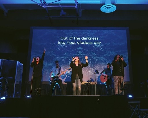 2830 people attended Easter Sunday Services at C4 -