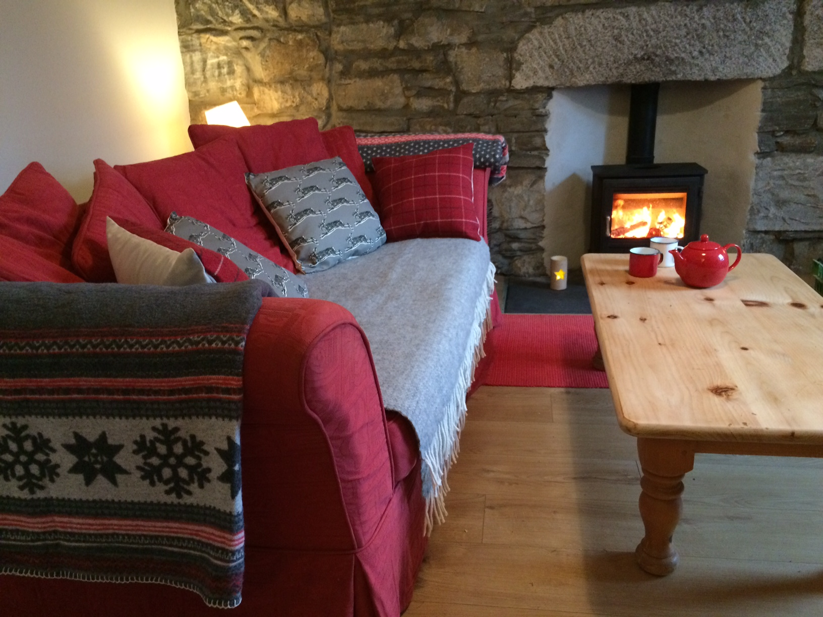Relax in the cosy lounge