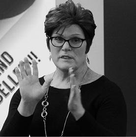 JOANNA FERRARI - / EXPERT SPEAKER