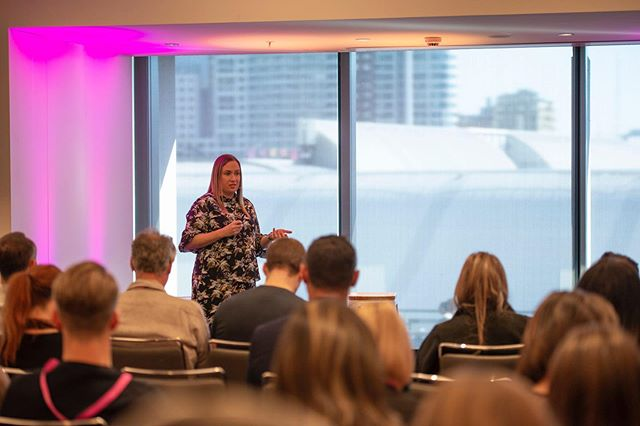 Opening the afternoon's breakout sessions is Kate Benjamin (@kate_benj) about how to adapt our services to succeed in a world where instant gratification is easy by providing meaningful, memorable and measurable service – so crucial to meeting clients' expectations!