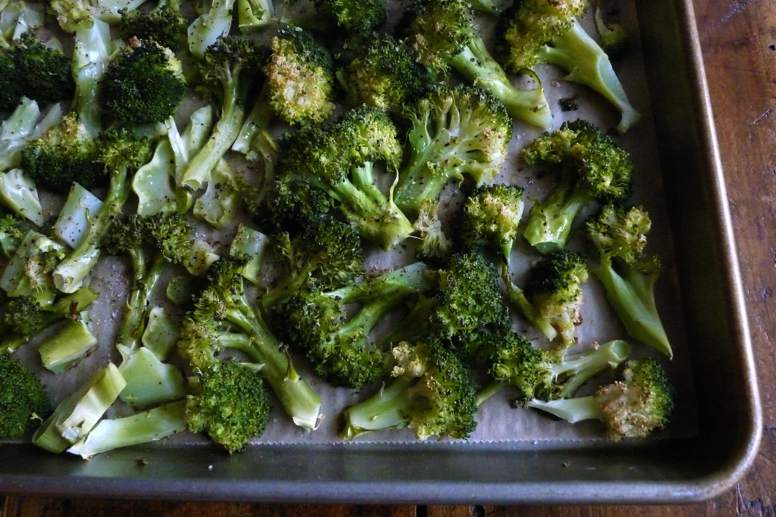 roasted-broccoli-gluten-free-paleo