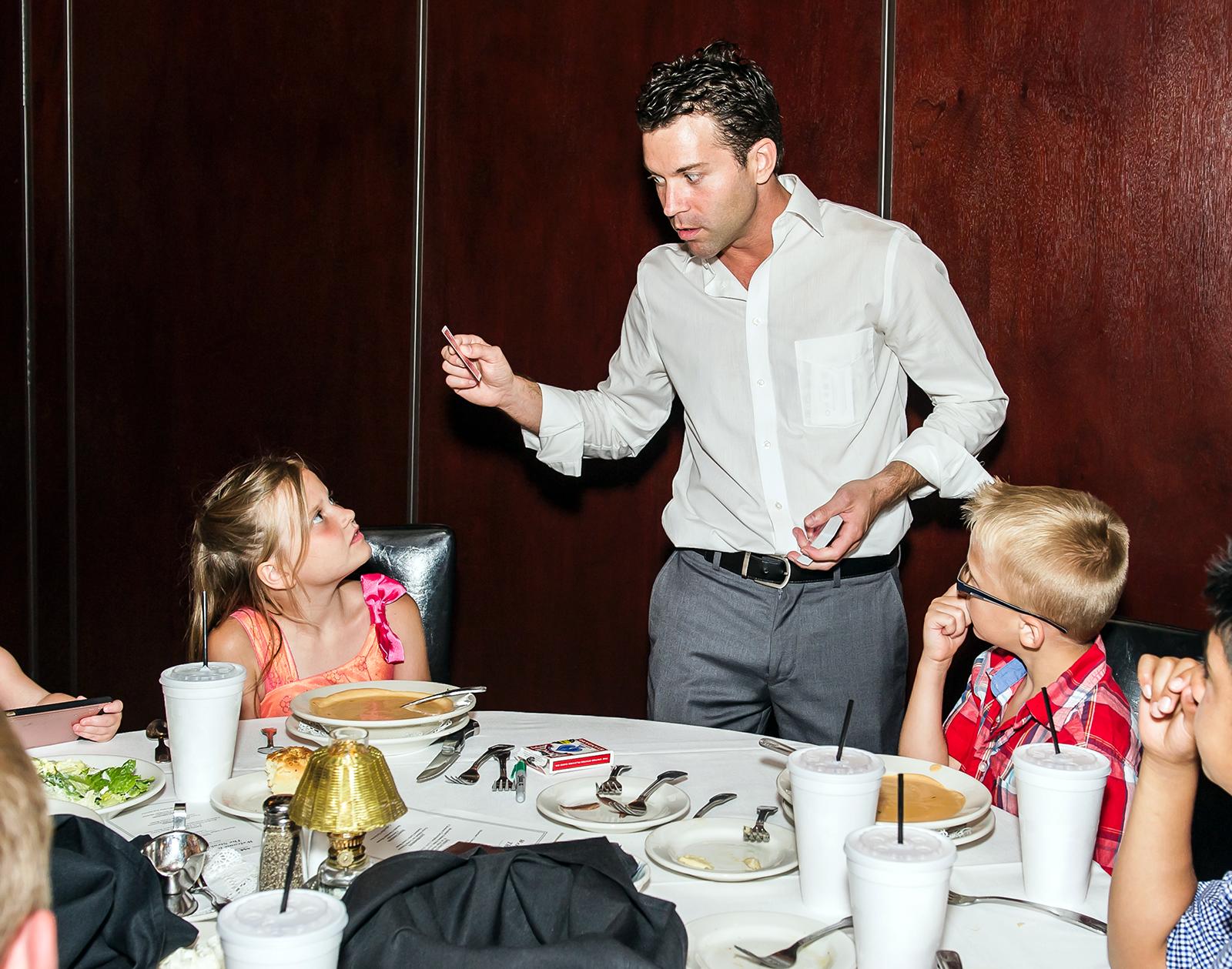 restaurant magician