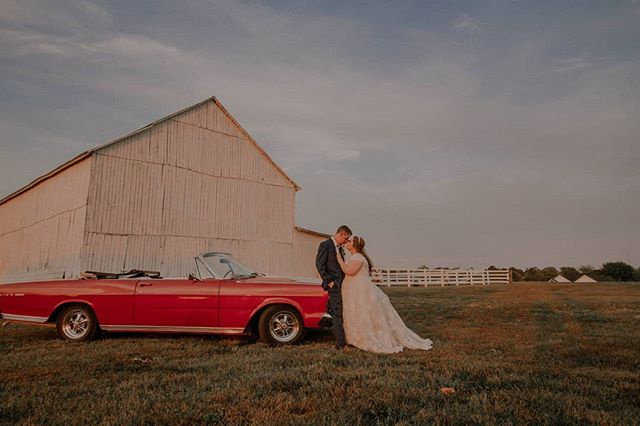 Alex + Morgan Parman  #kyproudweddings #allenacoxphotography #acpweddings #brideandgroom #kentuckyweddingphotographer #kentuckyphotographer #weddingdress #kentuckybride #chasinglight #fordconvertible #whitebarnwedding