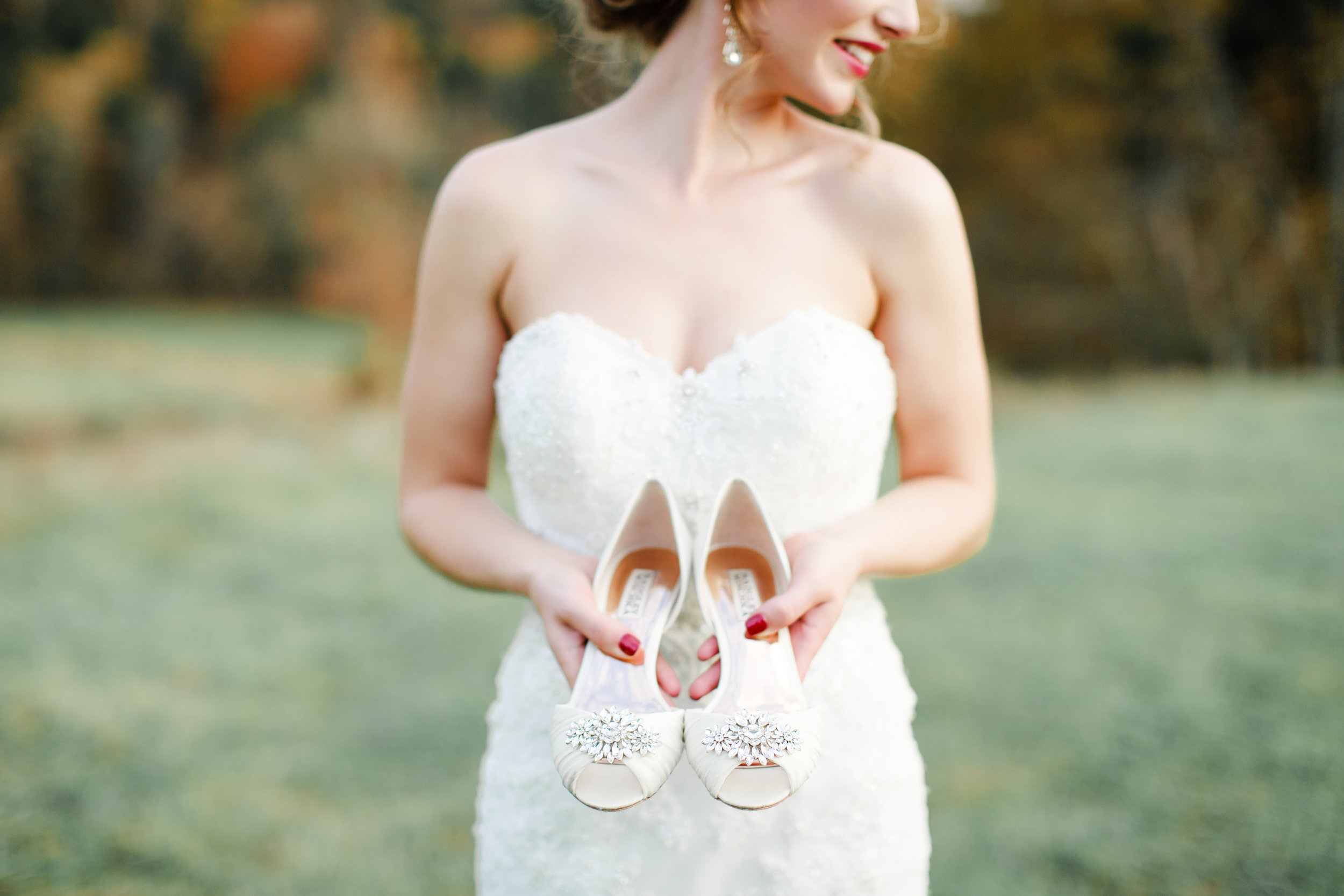 Allyography_WinterWeddingStyledPortraiture_BodockFarms_BurkesvilleKentucky-360.jpg
