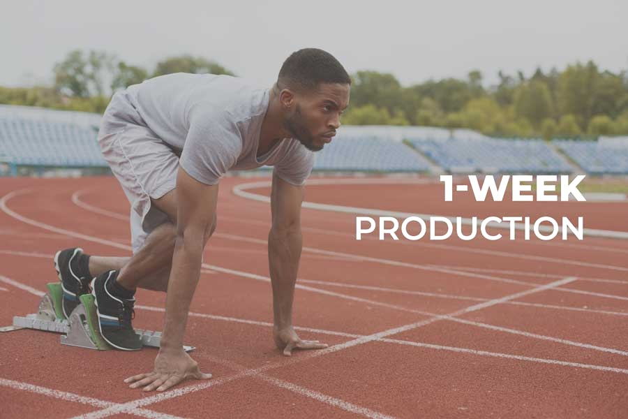 fit-afro-american-runner-in-starting-position-on-A89HV5W.jpg