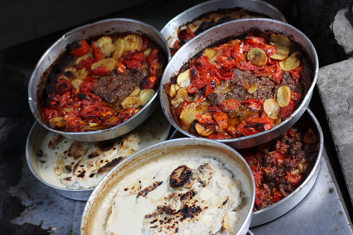 Street food in Amman. Photo taken by yeowatzup, distributed under  CC BY 2.0  license.
