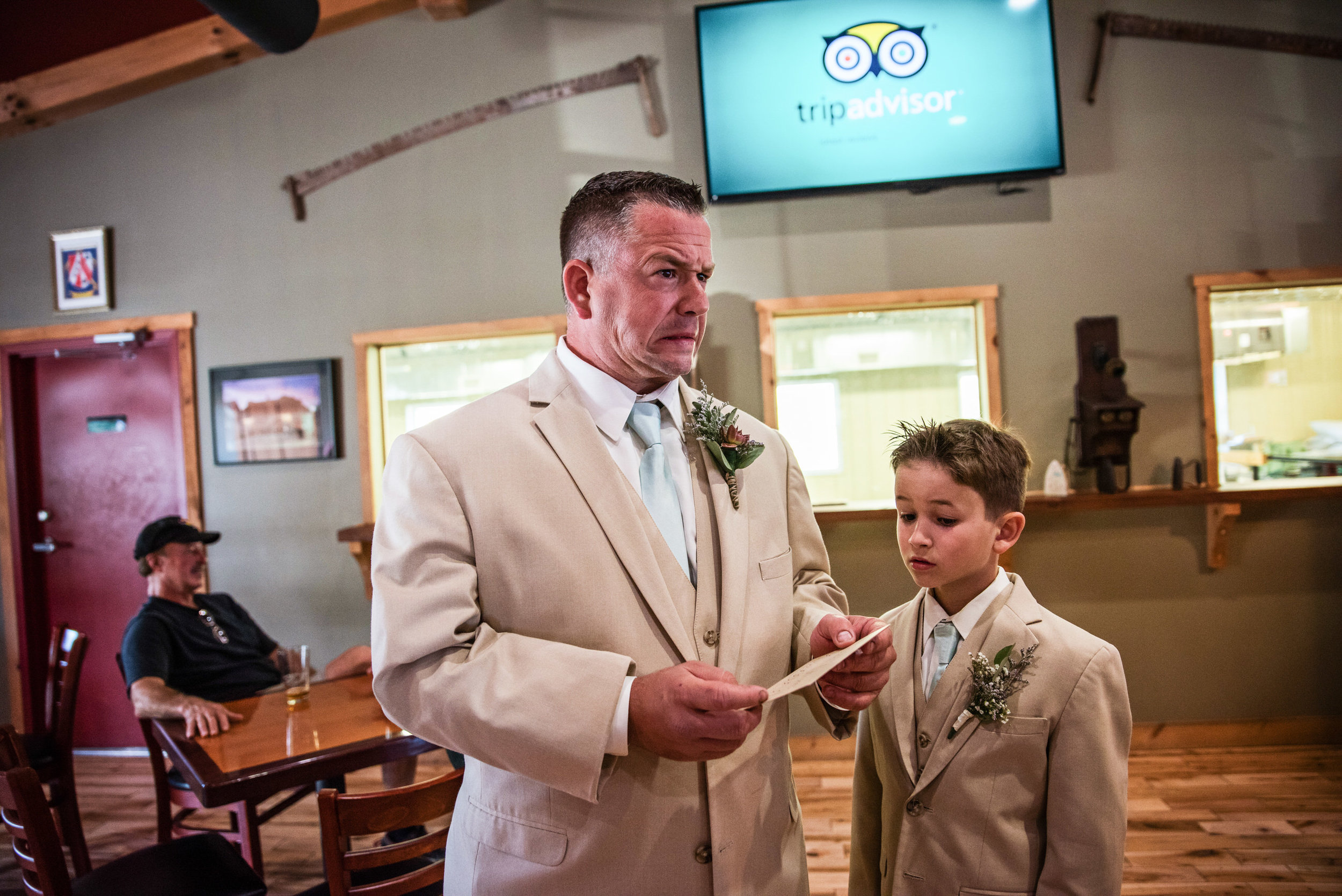 LiganoreWineryWedding-Amber&Andy-GettingReady-201.jpg