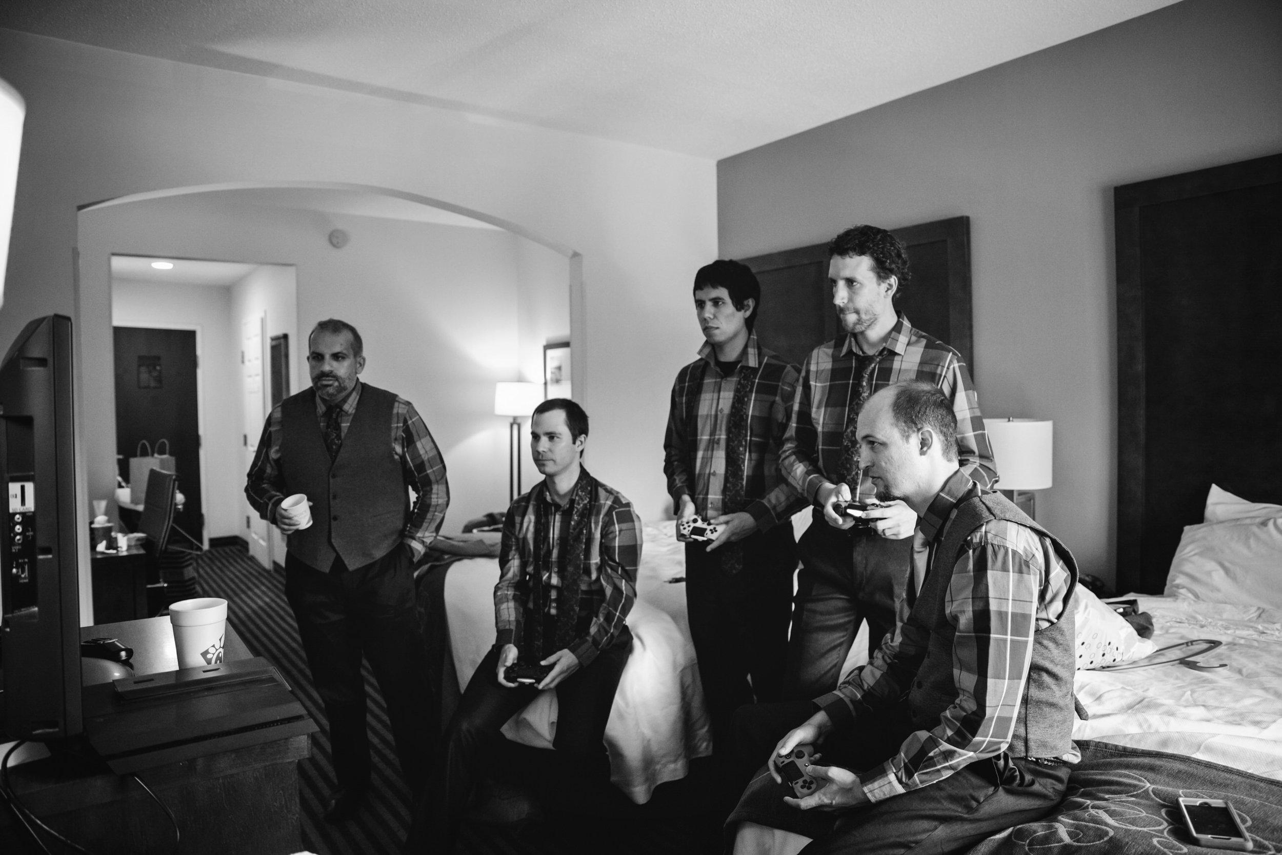 EastLynnFarmWedding-Steph&Aaron-GettingReady-23.jpg