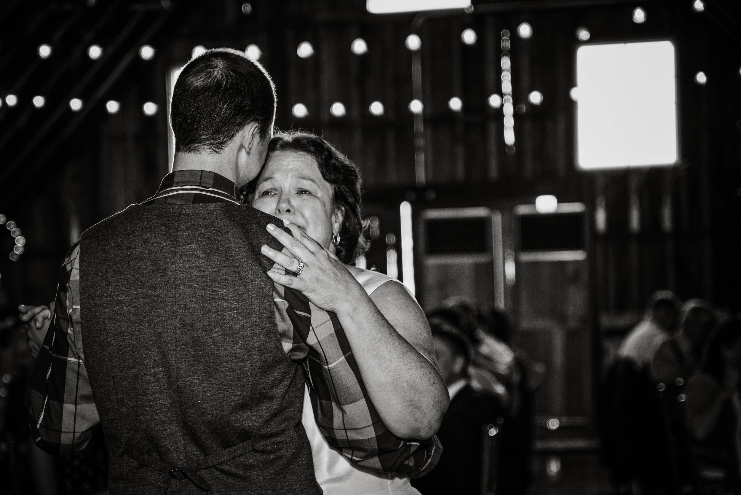 EastLynnFarmWedding-Stephanie&Aaron-Reception-65.jpg