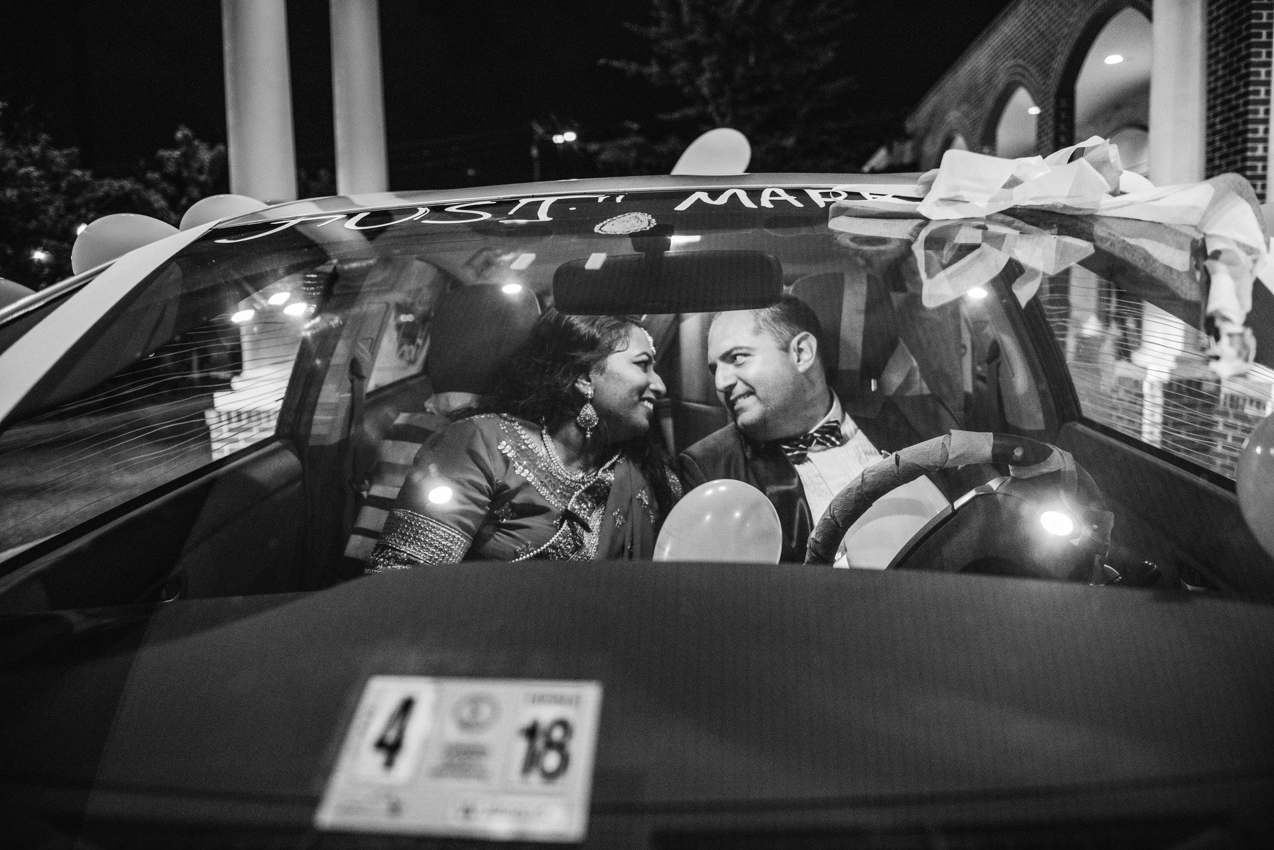 AlexandriaWedding-Blake&Sahaja-NightPhotos-57.jpg