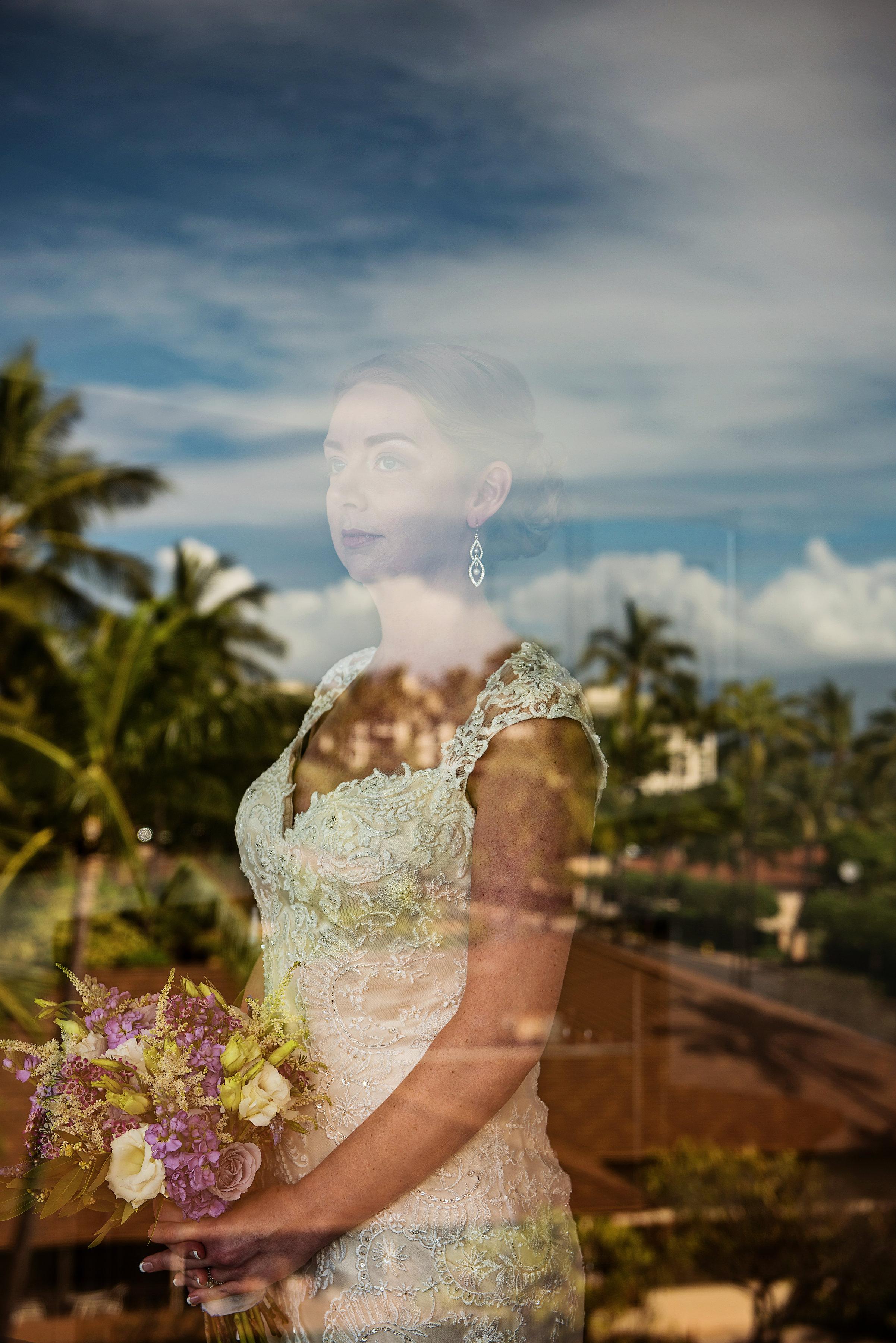HawaiiWedding-Lisa&Scott-GettingReady-253-2 copy.jpg