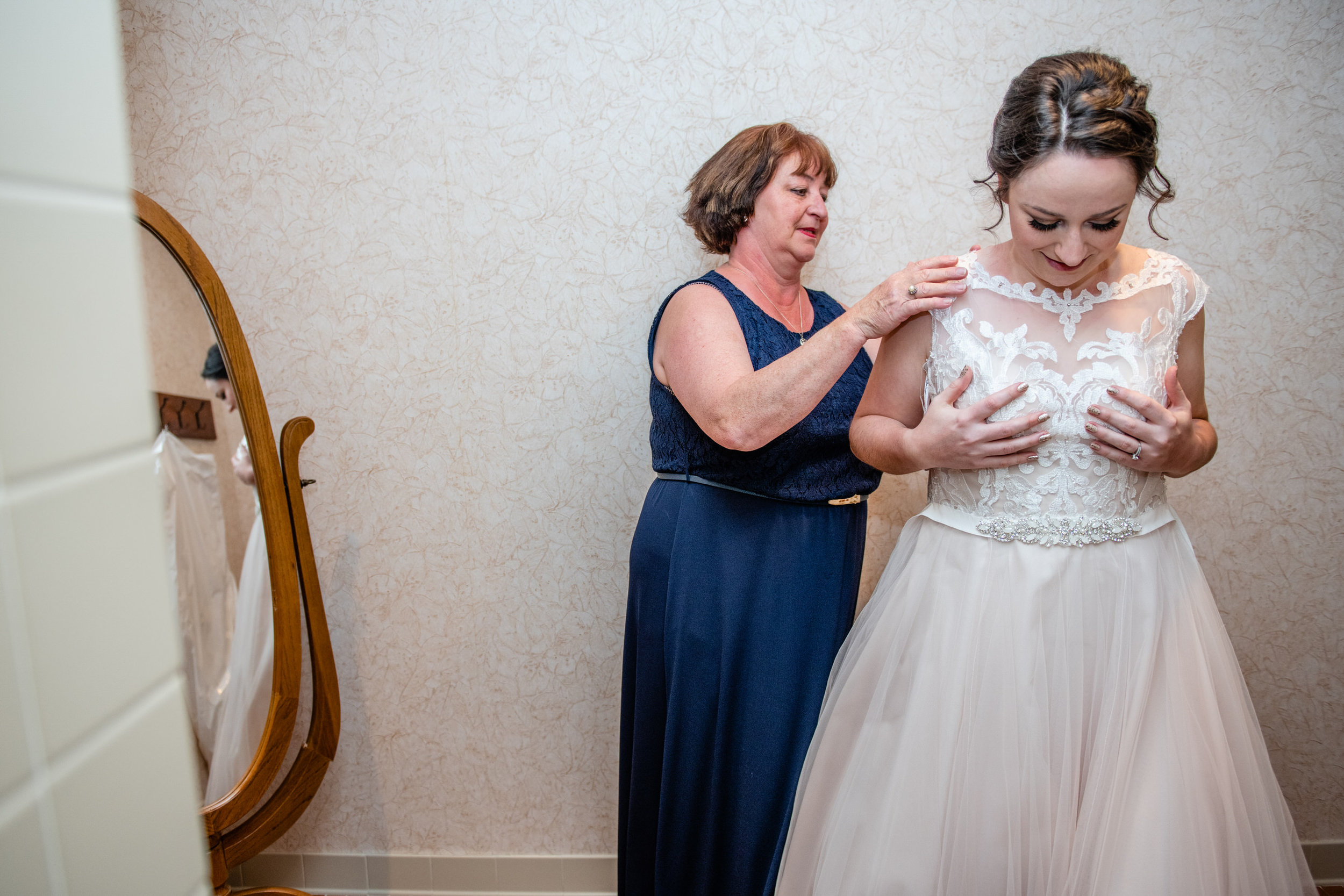 ThorpewoodWedding-Eileen&Chris-GettingReady-3109.jpg
