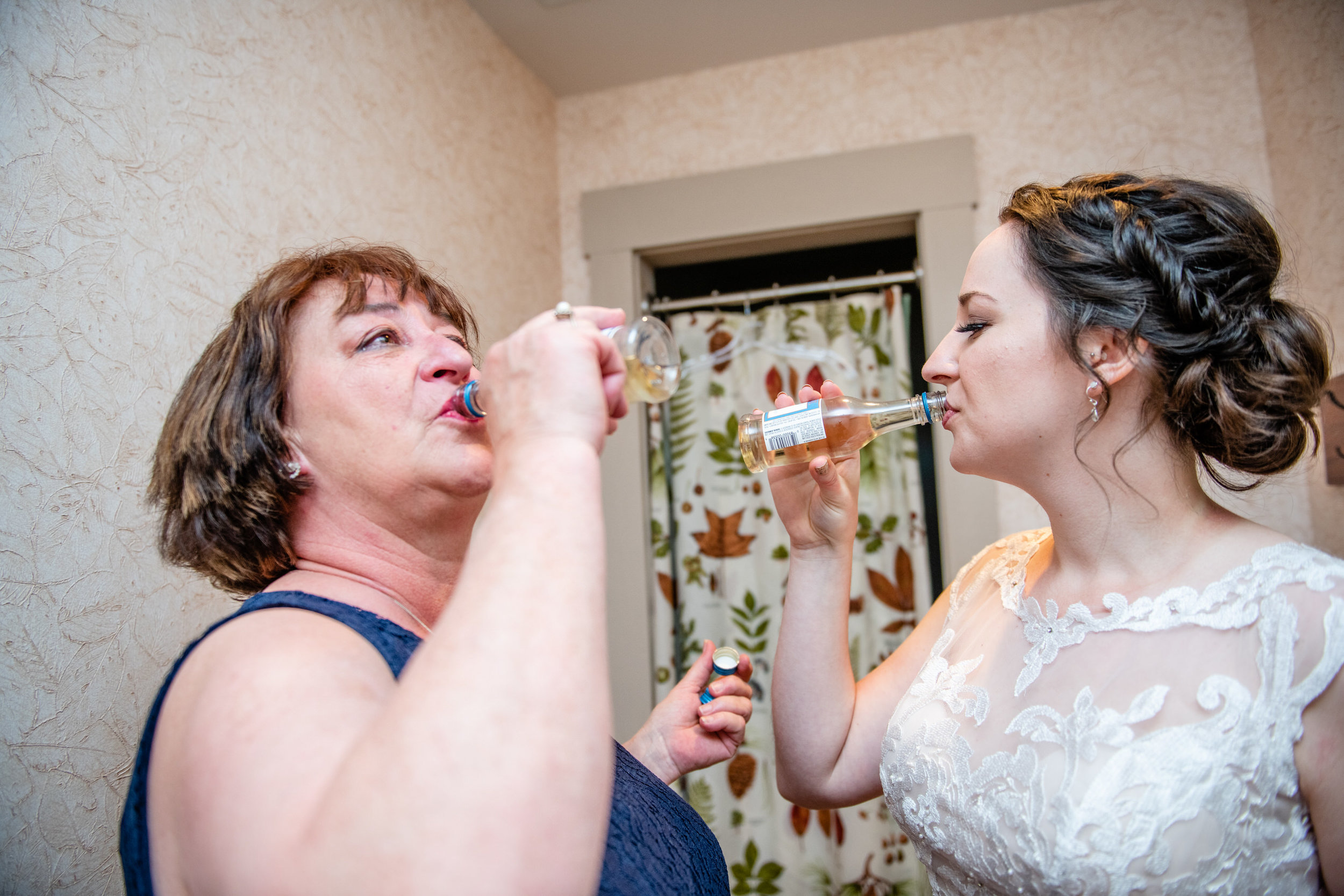ThorpewoodWedding-Eileen&Chris-GettingReady-3297.jpg