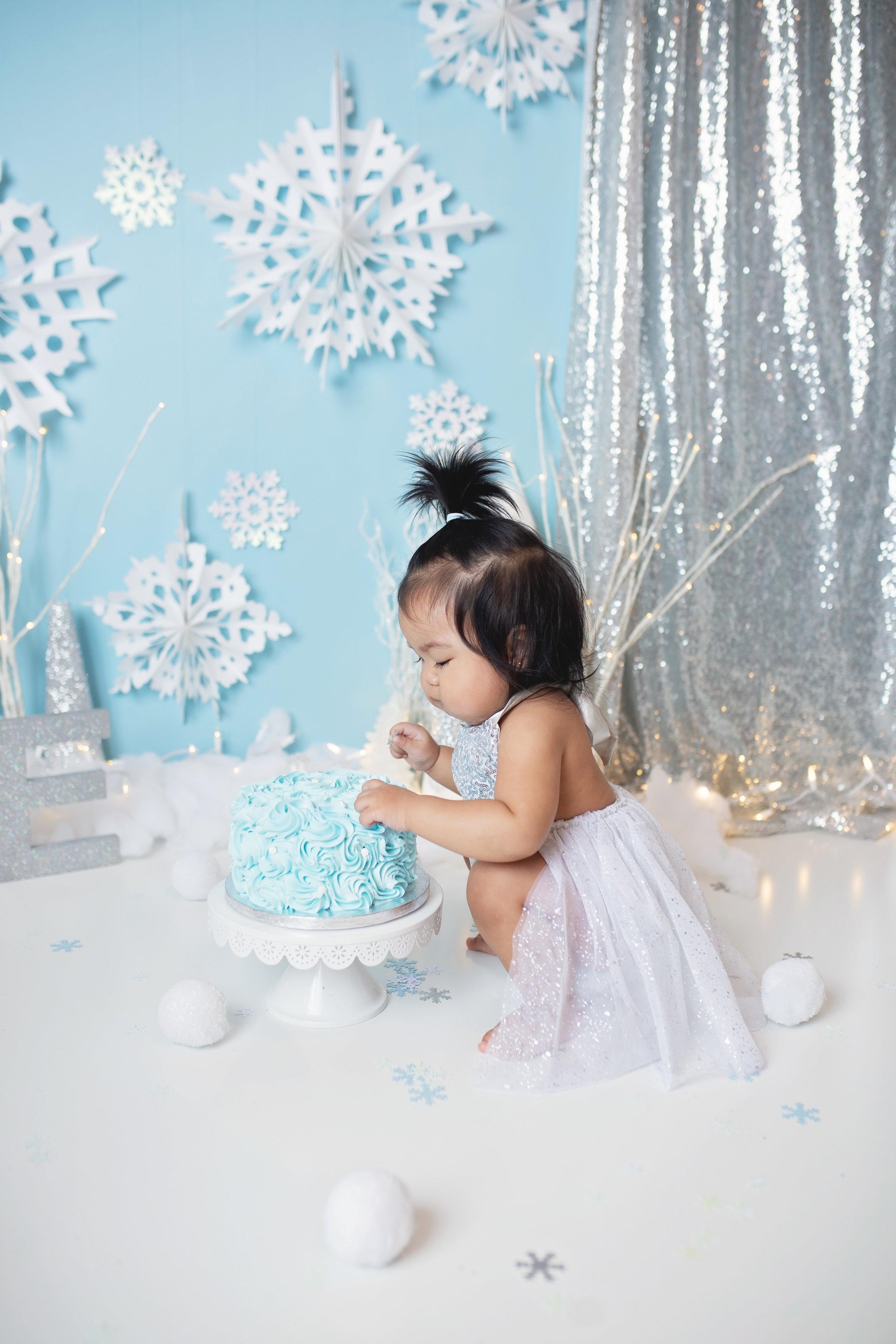 anchorage-cake-smash-photographer-7.jpg