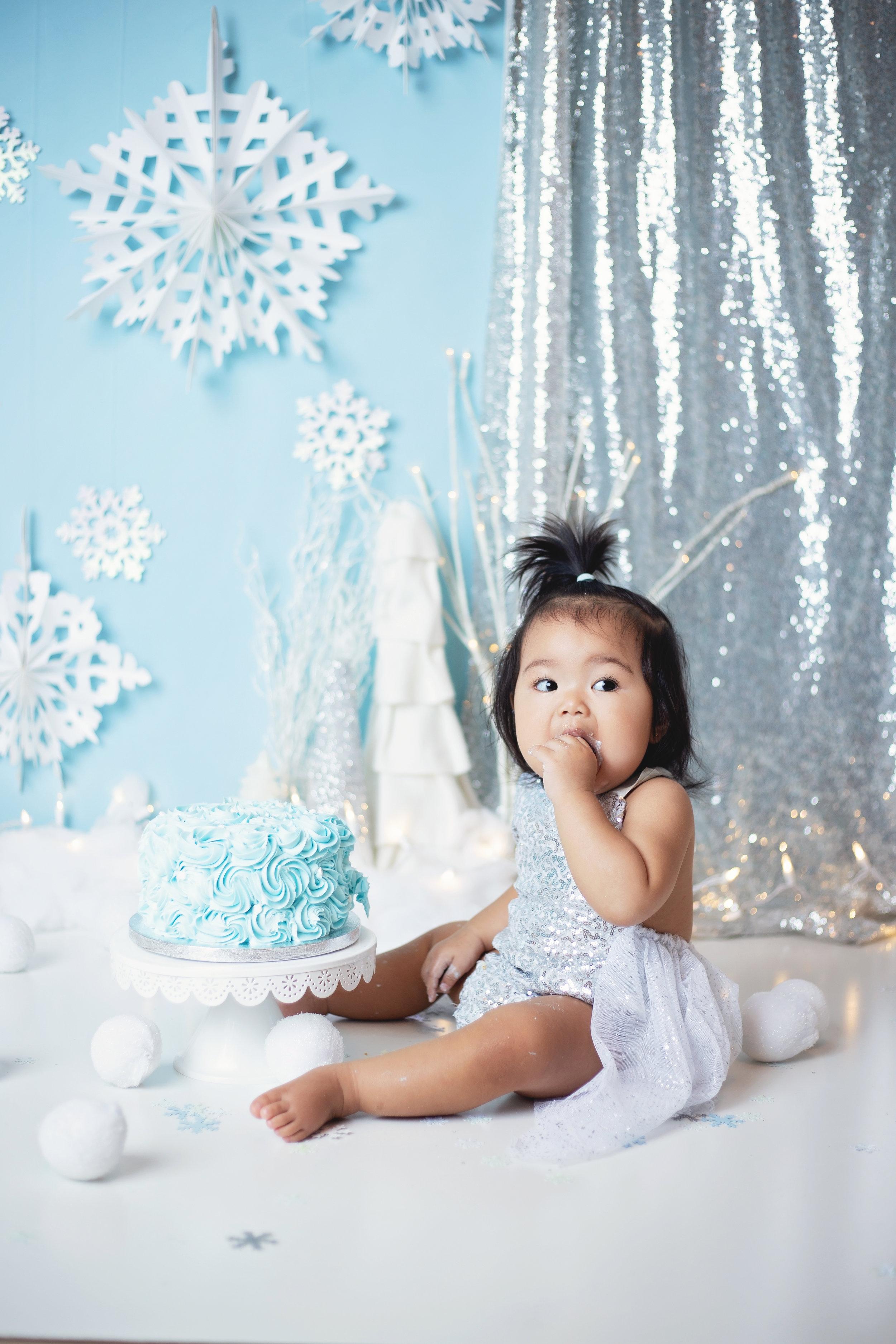 anchorage-cake-smash-photographer-8.jpg