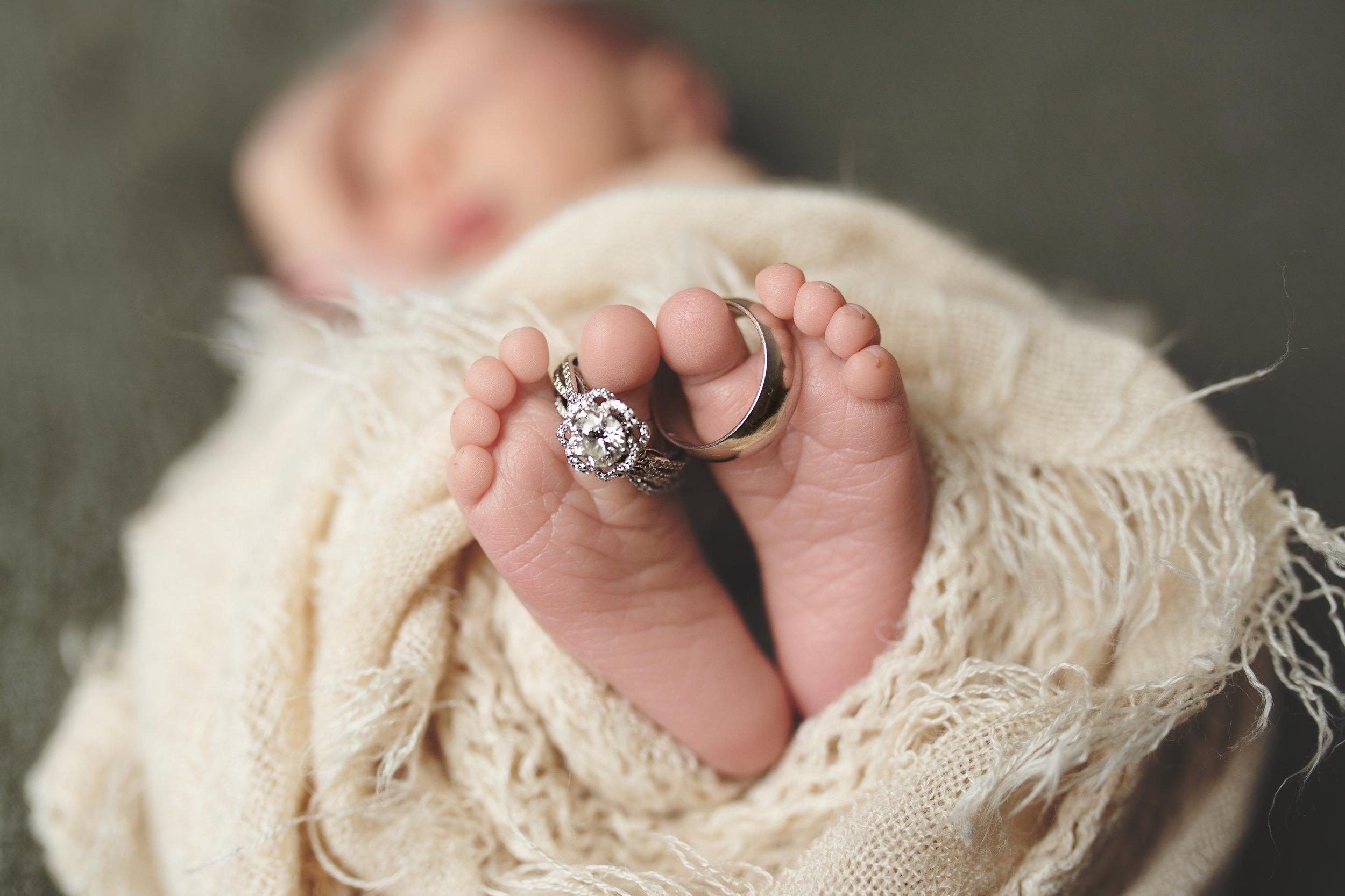 anchorage-newborn-photographer-10.jpg