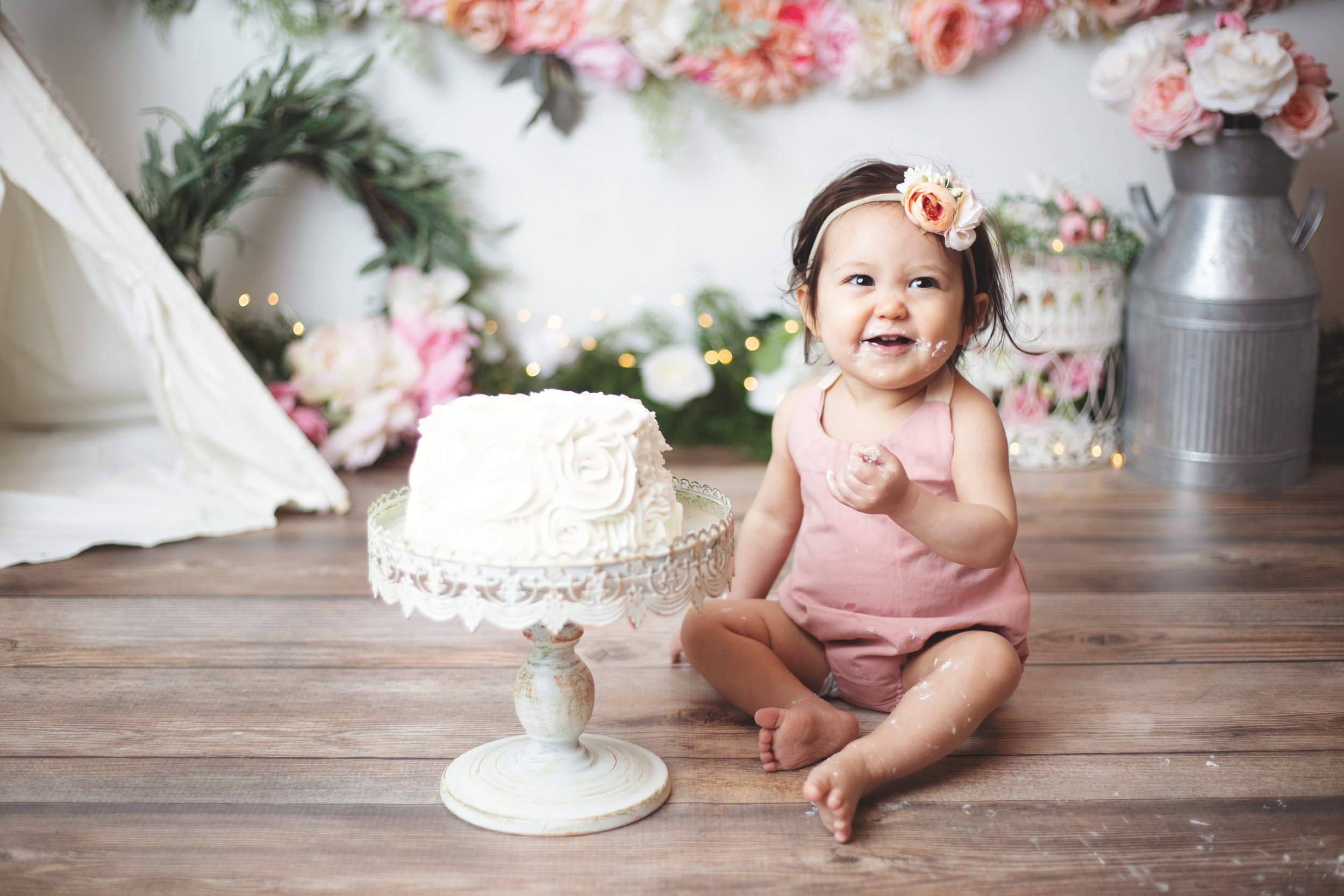 anchorage-cake-smash-photographer-9.jpg