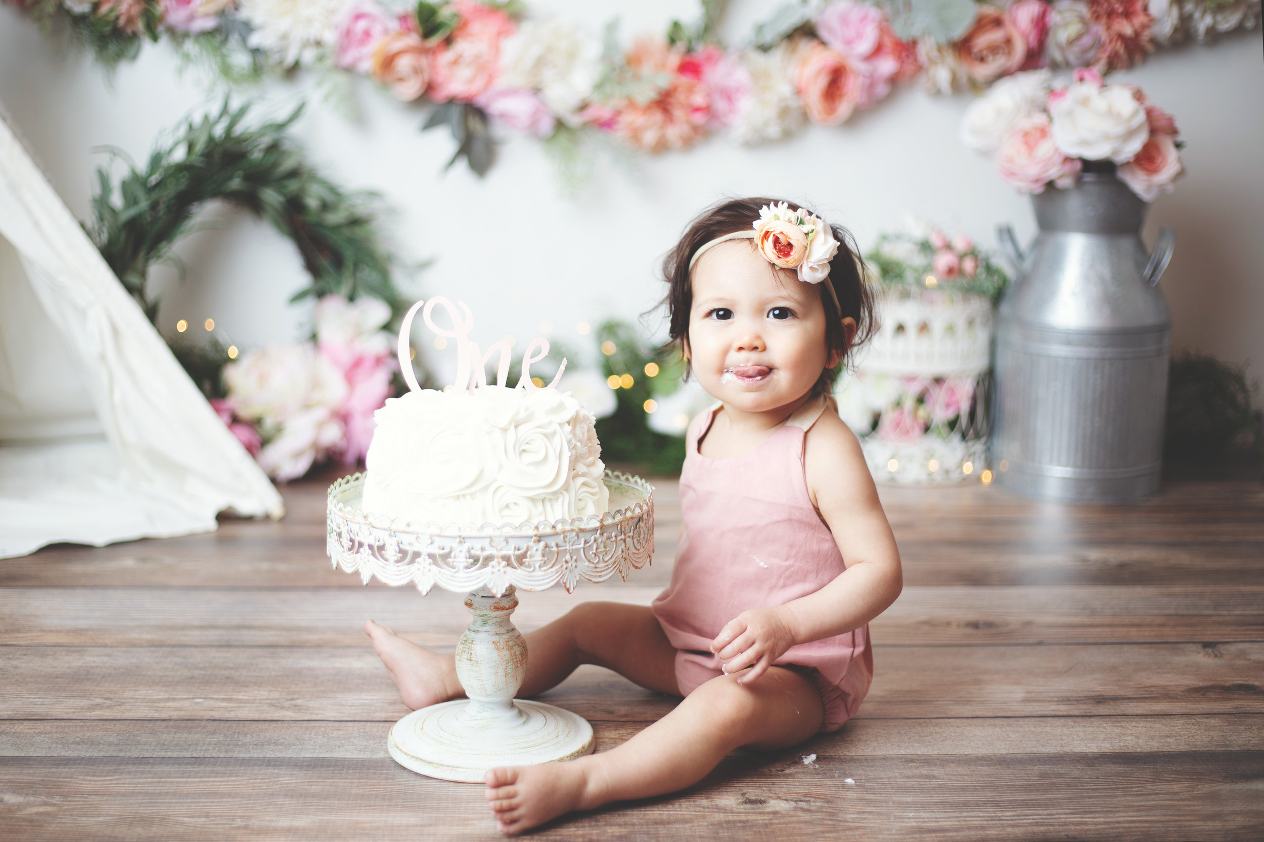 anchorage-cake-smash-photographer-11.jpg