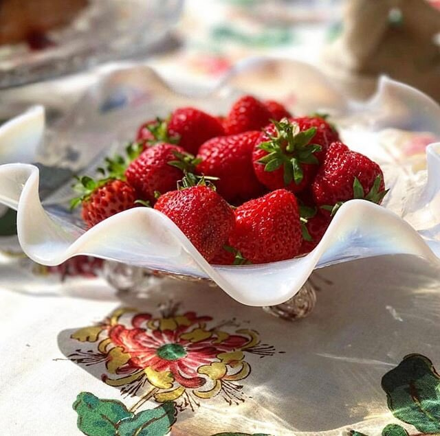 We're getting into strawberry season - hurray for that! #tbt to summer afternoons in the garden, devouring hand-picked British strawberries ??