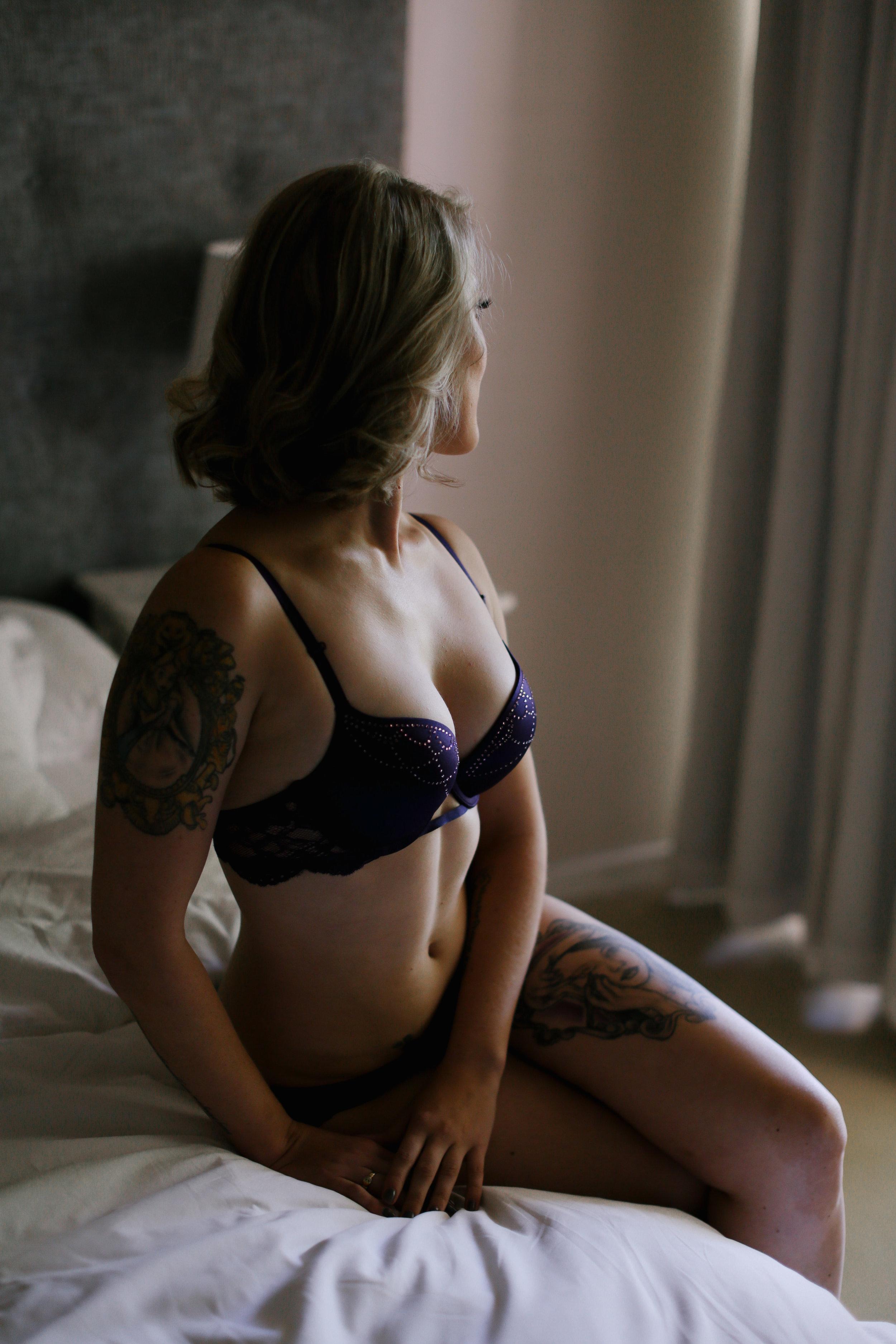 Janine Boudoir7.jpg