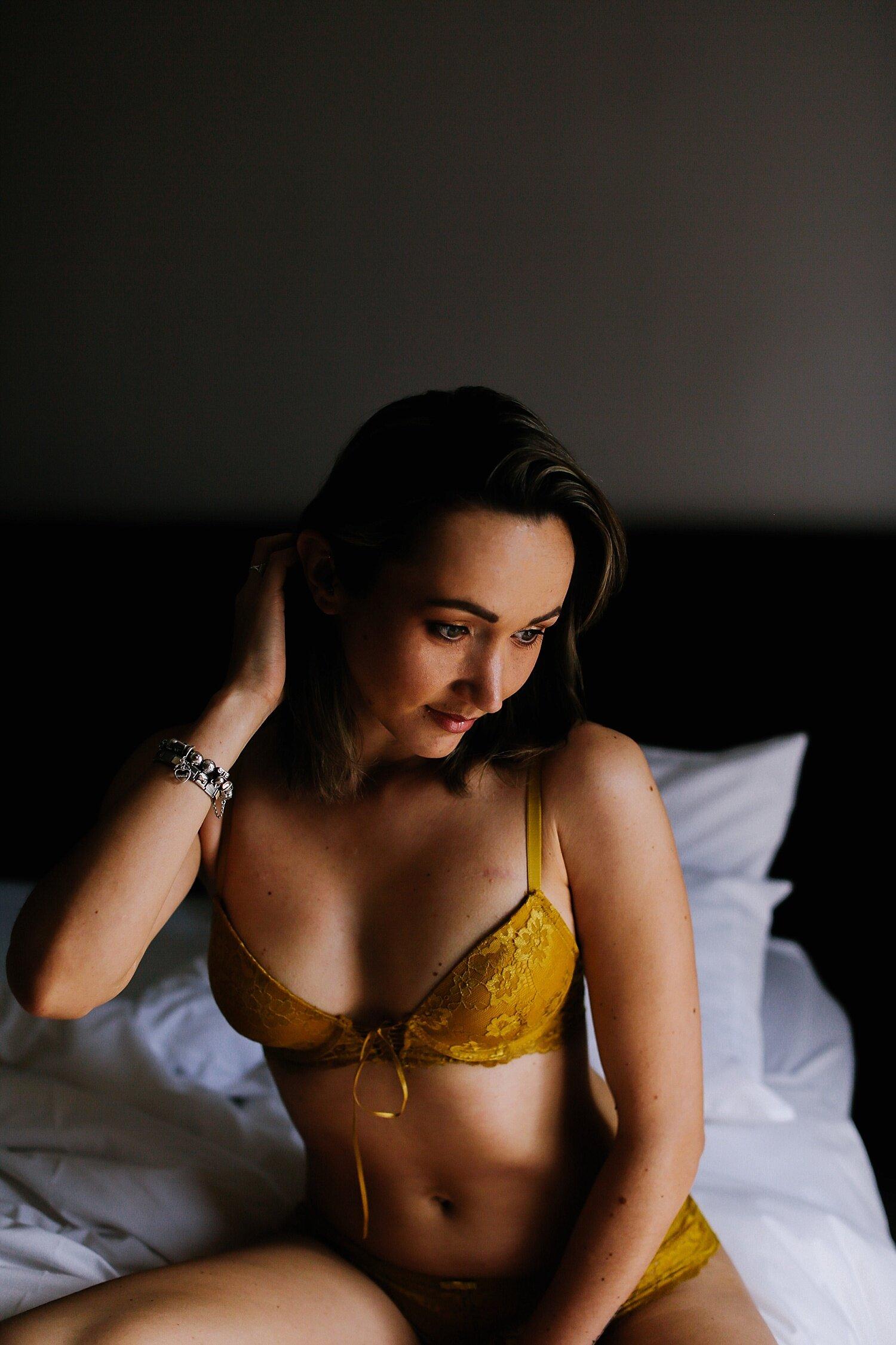 boudoir__maternity_lingerie_fitness_0010.jpg
